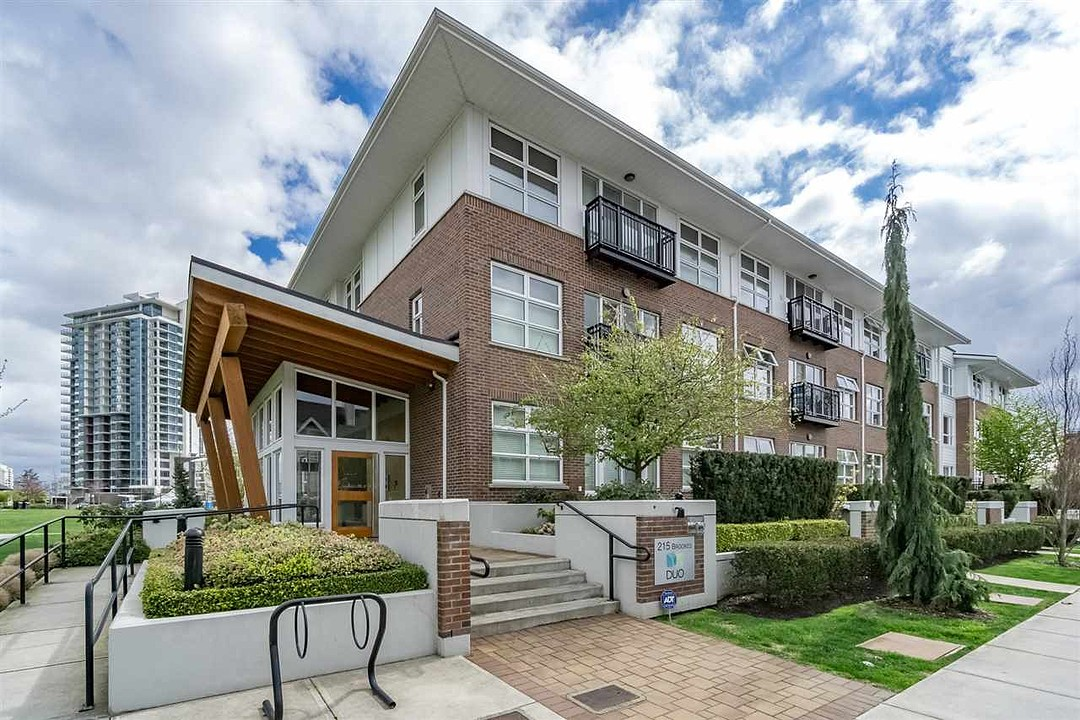 Condominium for Sale at New Westminster, Greater Vancouver 104 215 Brookes Street New Westminster, British Columbia, V3M 0G5 Canada