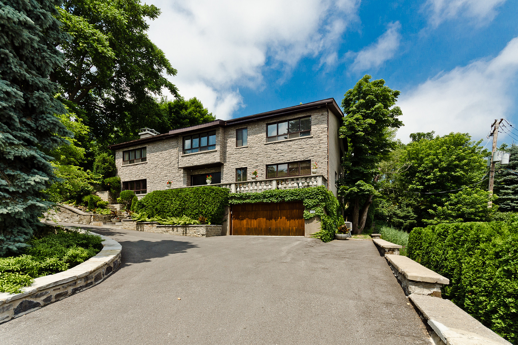 Other Residential for Sale at Westmount, Montréal 11 Place Braeside Westmount, Quebec H3Y3E8 Canada