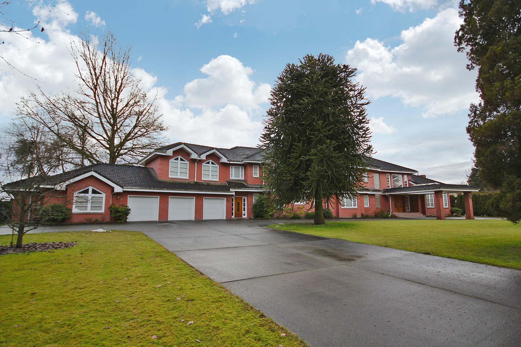 Einfamilienhaus für Verkauf beim Custom Built Luxury 21778 River Road, Maple Ridge, Britisch-Kolumbien, V2X 2B7 Kanada
