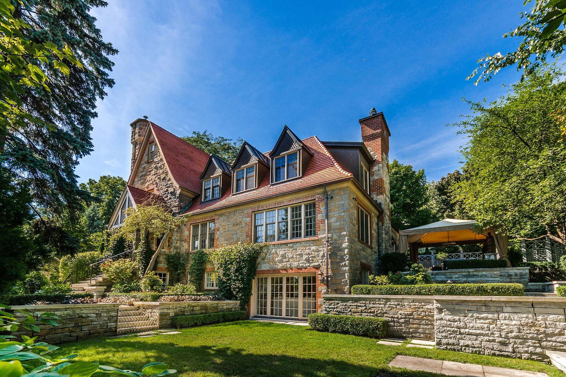Single Family Homes for Sale at Westmount, Montréal 45 Crois. Forden Westmount, Quebec H3Y2Y5 Canada