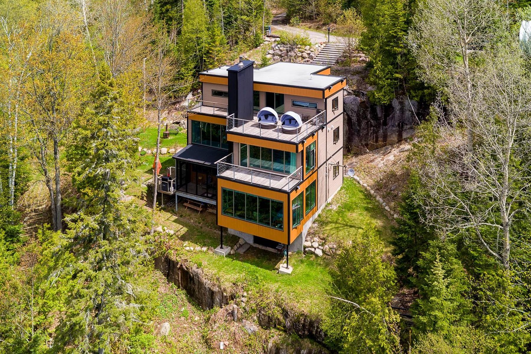 Single Family Homes for Sale at Sainte-Marguerite-du-Lac-Masson, Laurentides 104 Mtée Ashton Sainte Marguerite Du Lac Masson, Quebec J0T1L0 Canada