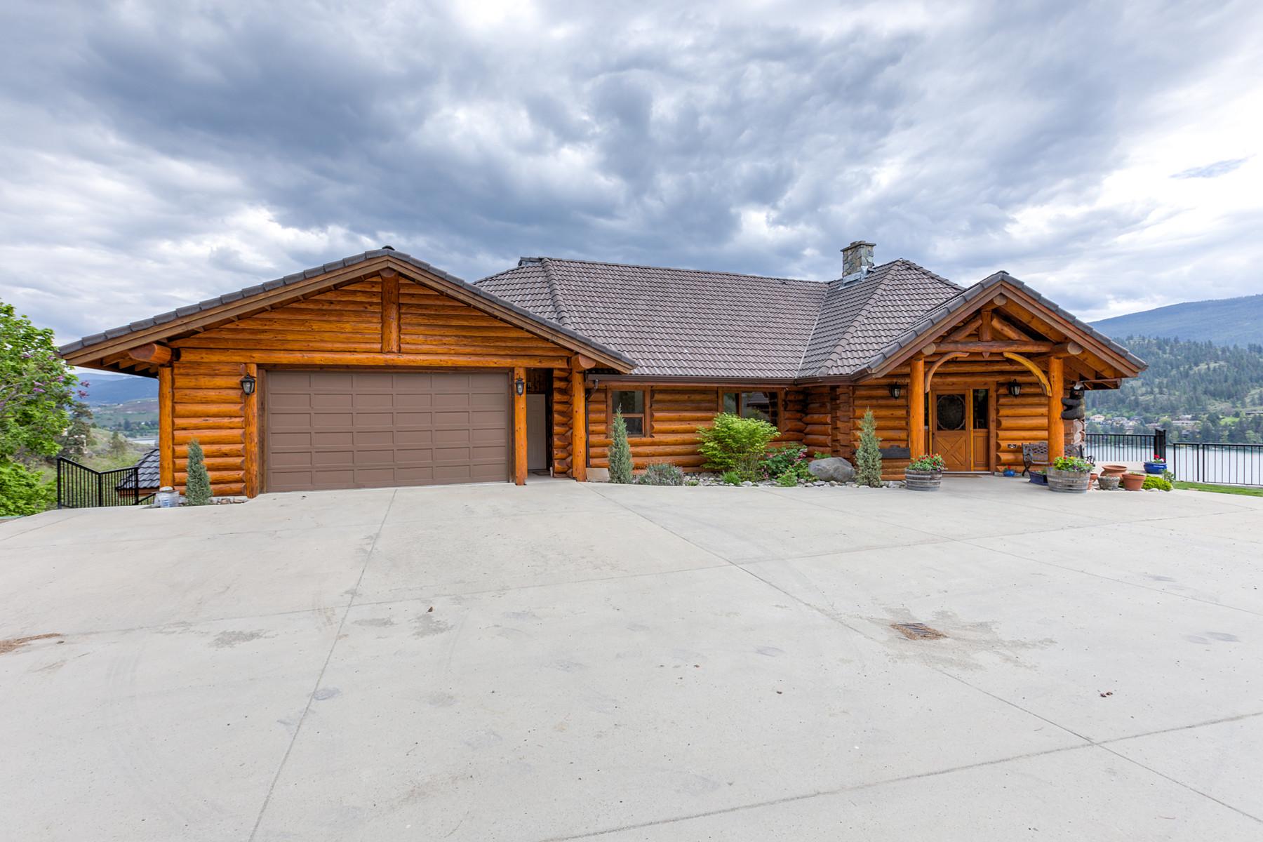 Villa per Vendita alle ore Sweeping Kalamalka Lake Views 3 55 Kalamalka Lakeview Drive Vernon, Columbia Britannica, V1H 1L7 Canada