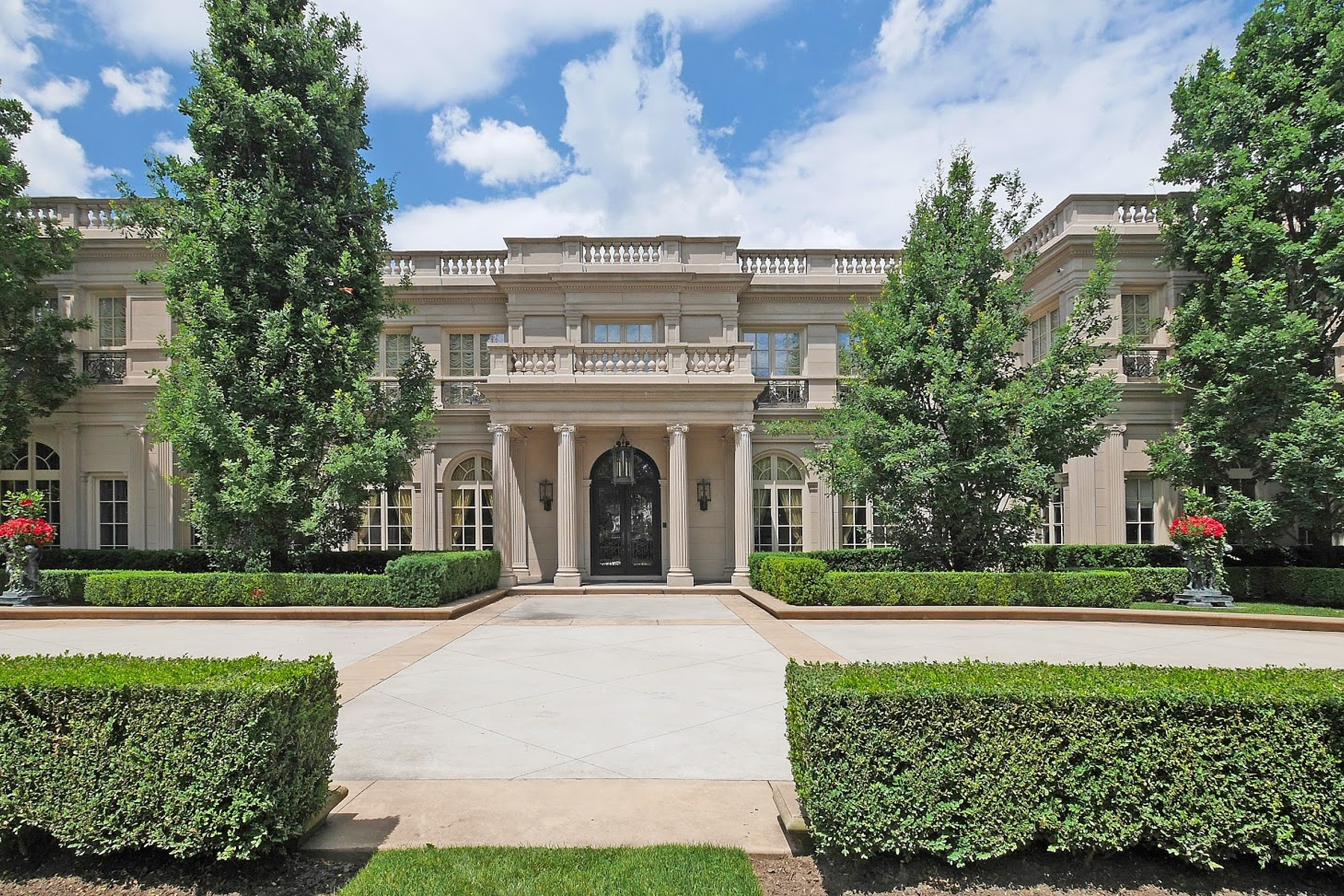 Maison unifamiliale pour l Vente à Grand Luxury Estate 489 Lakeshore Road East Oakville, Ontario L6K 1G4 Canada
