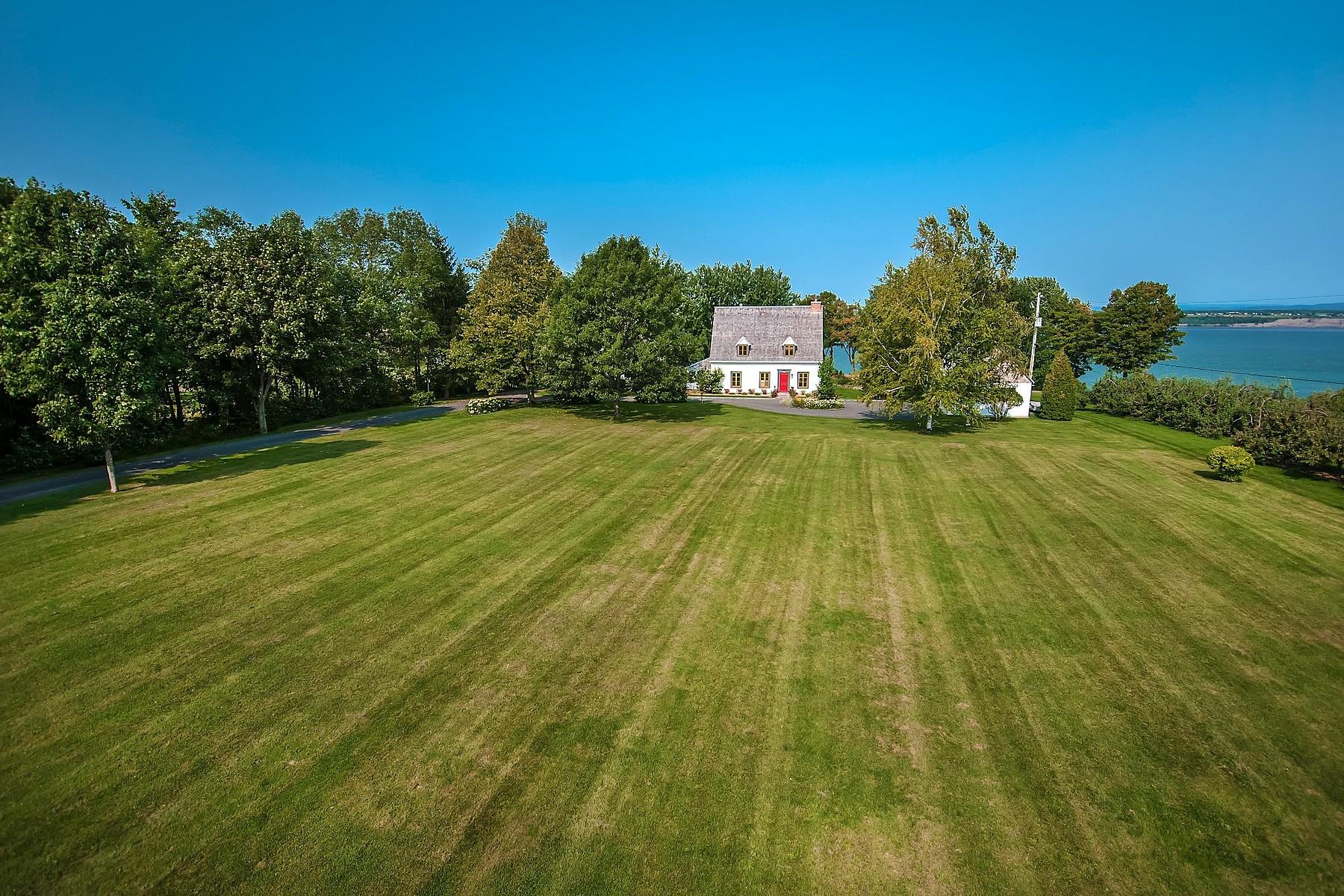 واحد منزل الأسرة للـ Sale في Sainte-Croix, Chaudière-Appalaches 5370 Route Marie-Victorin, Sainte-Croix, Quebec, G0S2H0 Canada