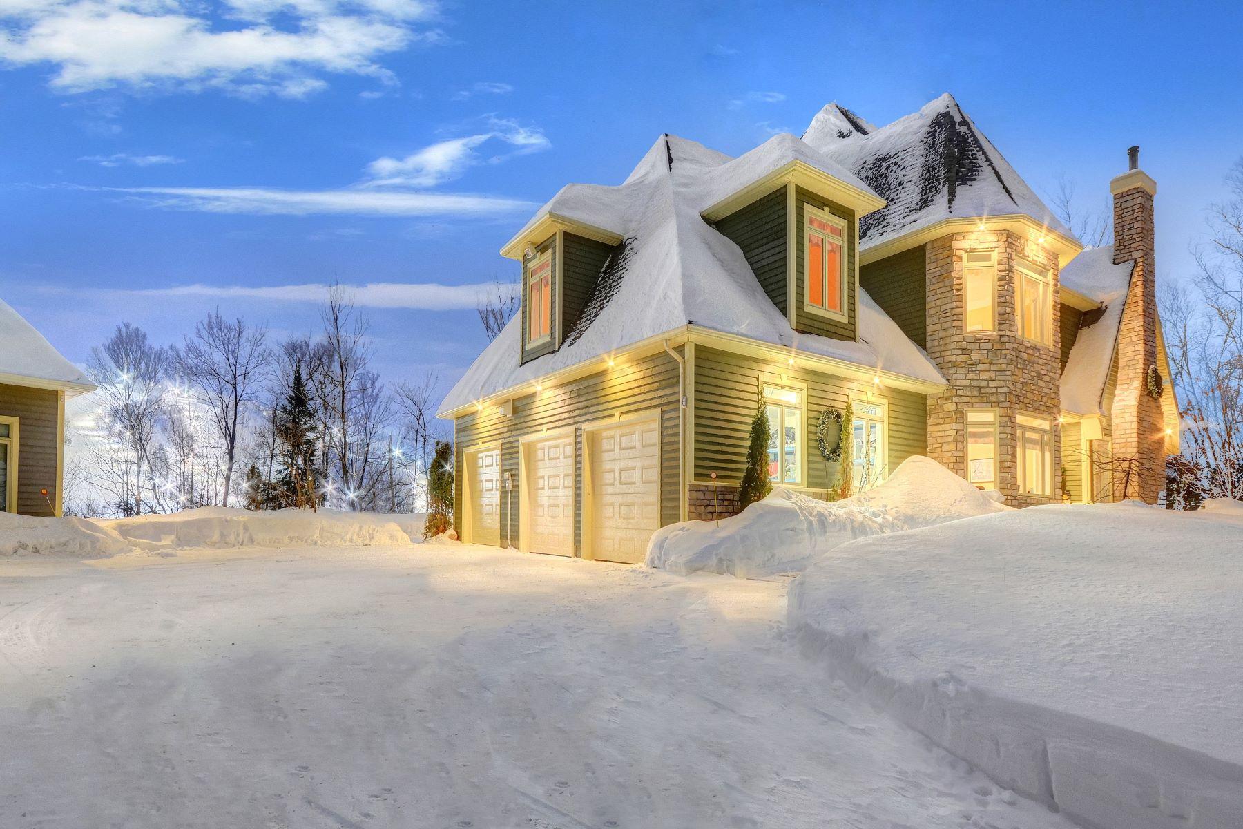 واحد منزل الأسرة للـ Sale في Sainte-Adèle, Laurentides 2105 Ch. de l'Ermitage, Sainte-Adele, Quebec, J8B0A9 Canada
