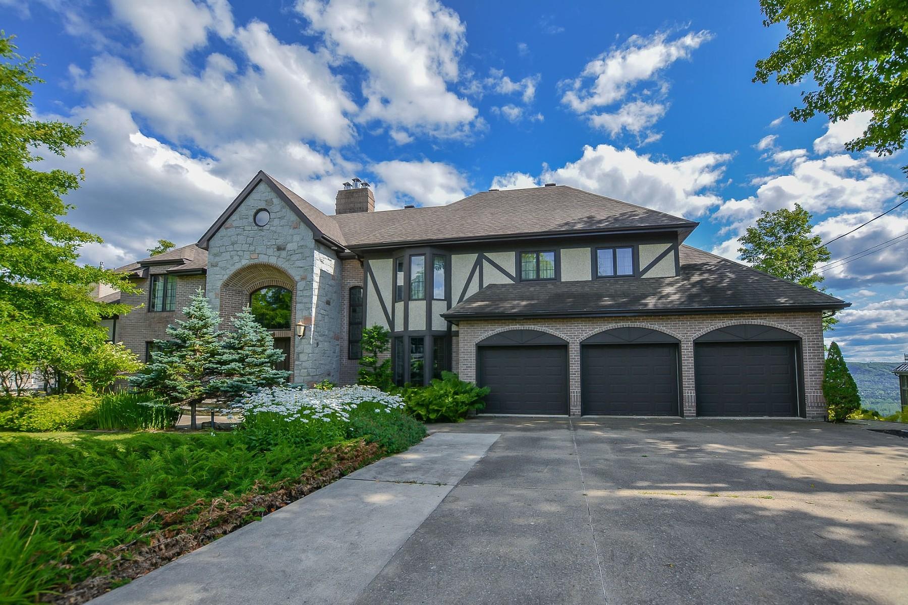 Single Family Homes for Sale at Sainte-Adèle, Laurentides 1485 Rue des Quatre-Saisons Sainte-Adele, Quebec J8B2M3 Canada