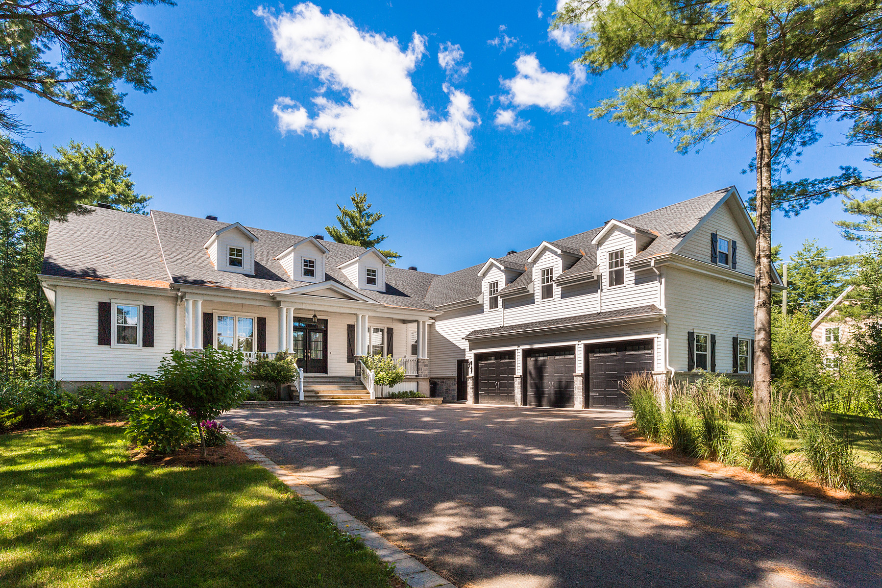 واحد منزل الأسرة للـ Sale في 27 Rue Champêtre Sainte-Anne-Des-Plaines, Quebec, J0N1H0 Canada
