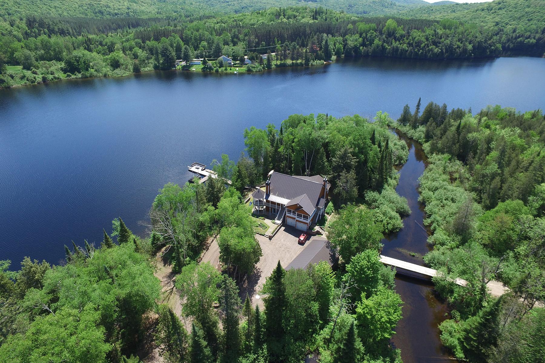 Casa Unifamiliar por un Venta en Amherst, Laurentides 401 - 405 Ch. Jos-Millette Amherst, Quebec, J0T2T0 Canadá