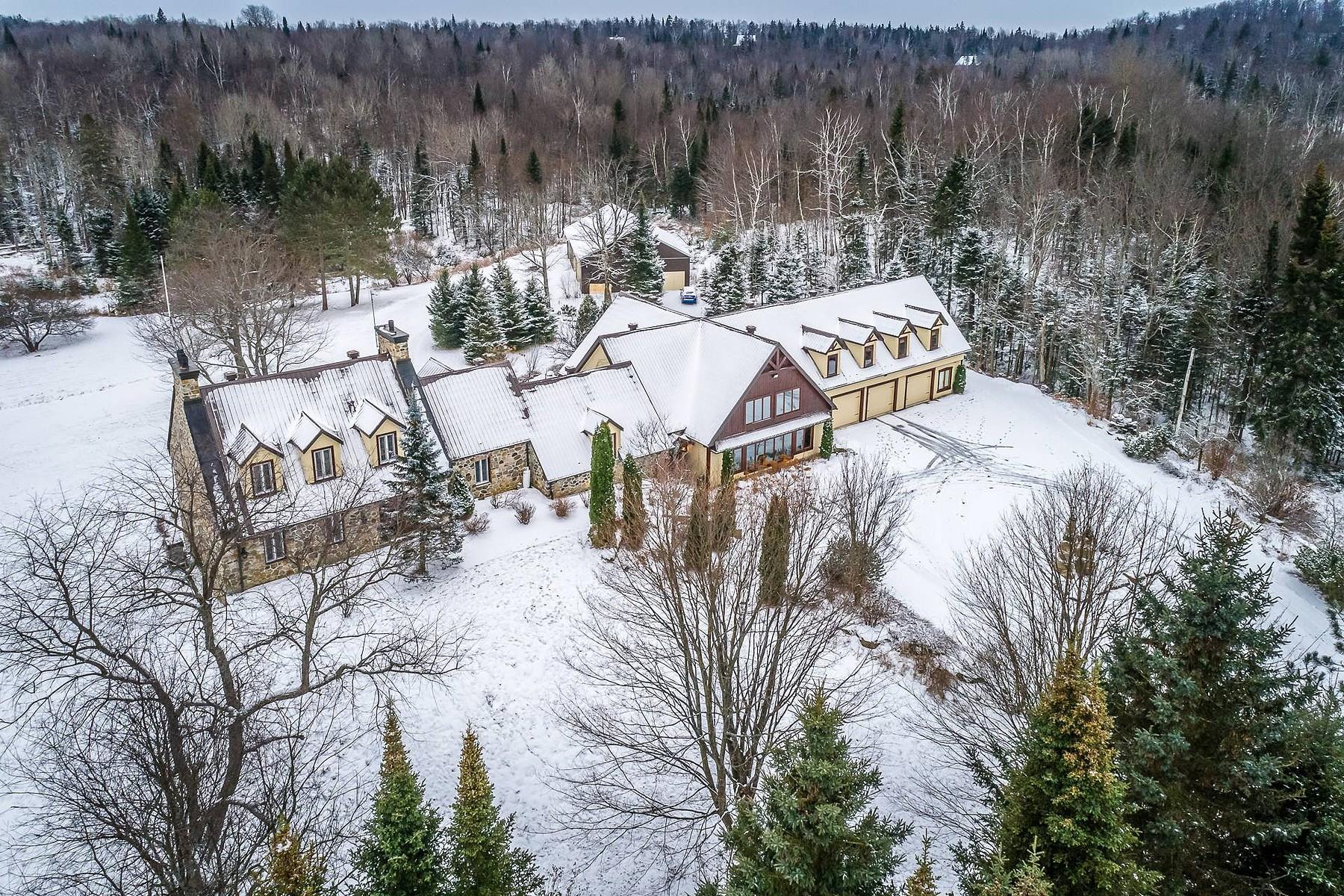 Single Family Homes for Sale at Saint-Sauveur, Laurentides 732 Mtée St-Elmire Saint-Sauveur, Quebec J0R1R1 Canada