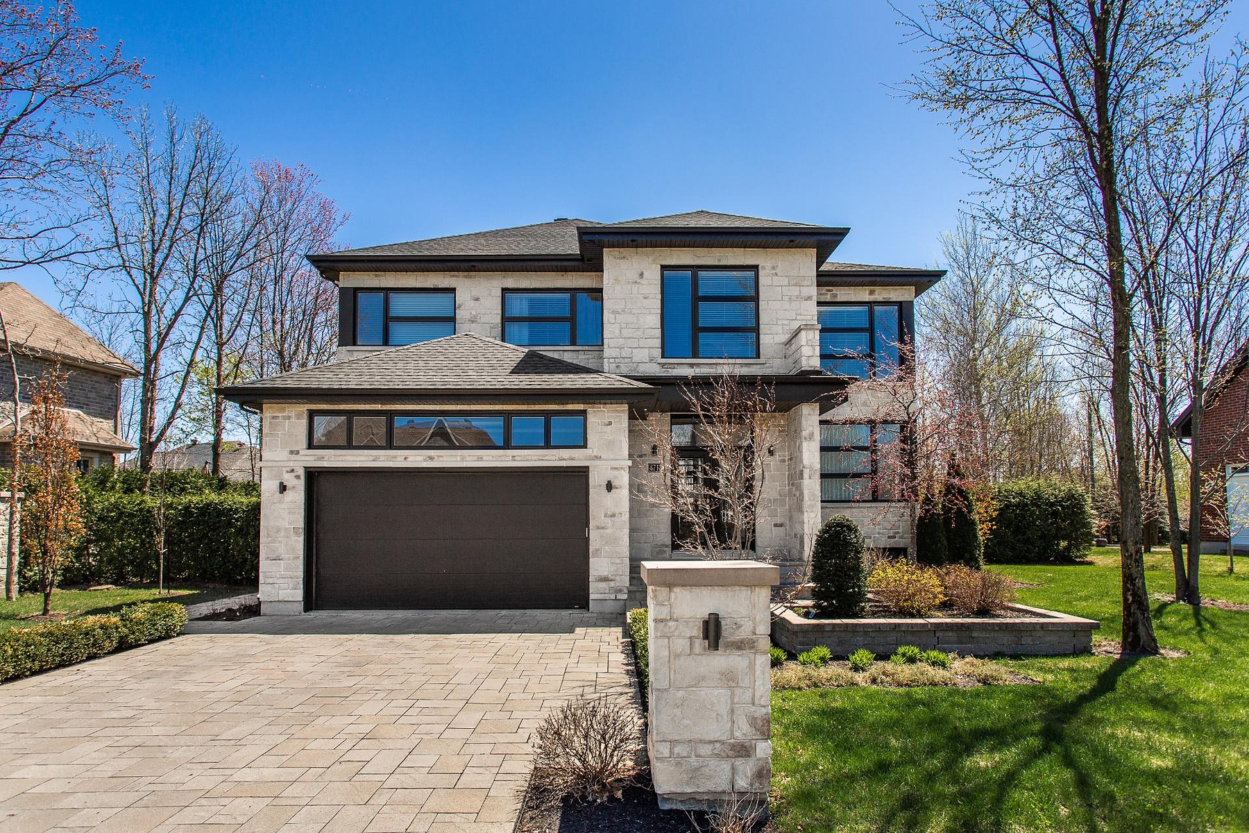 Single Family Homes for Sale at Boucherville, Montérégie 674 Rue de la Futaie Boucherville, Quebec J4B0E3 Canada