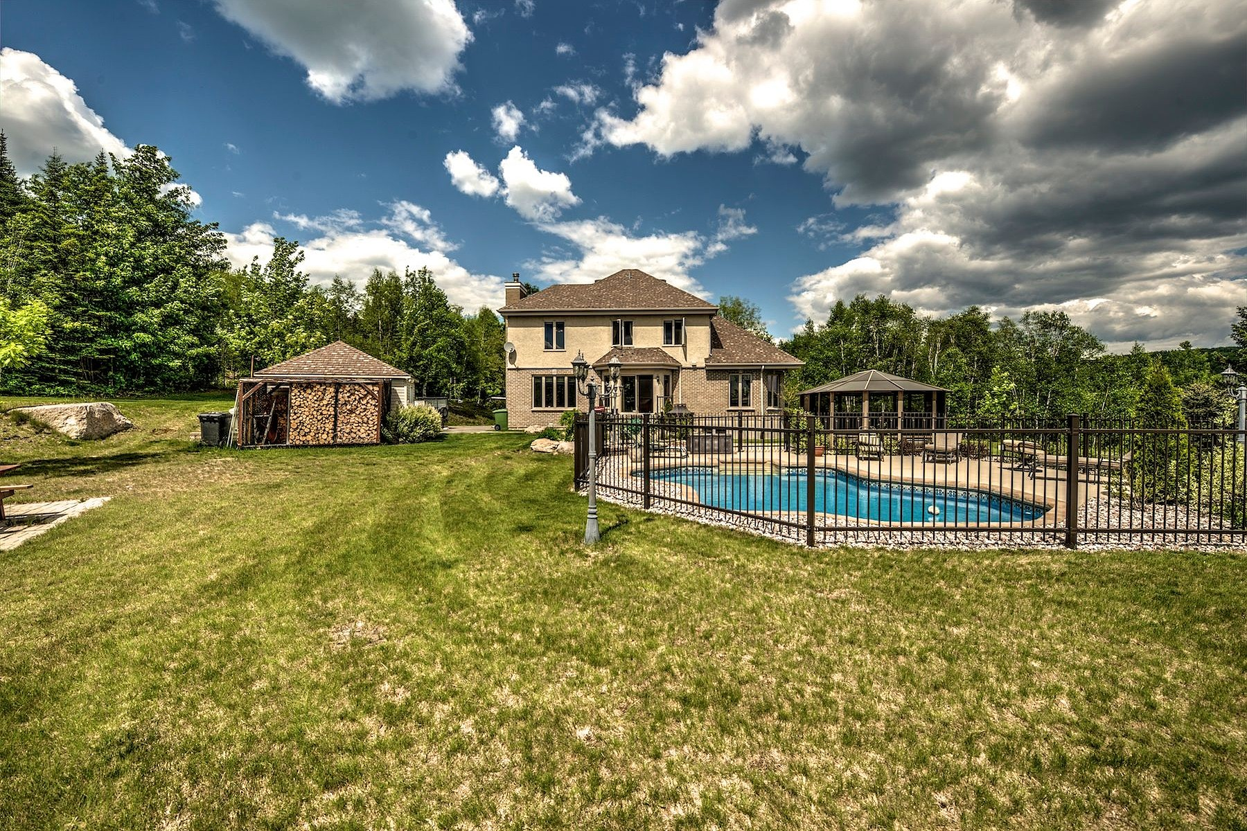 Single Family Home for Sale at Panoramic view 3400 Rue Guindon Val-David, Quebec, J0T2N0 Canada