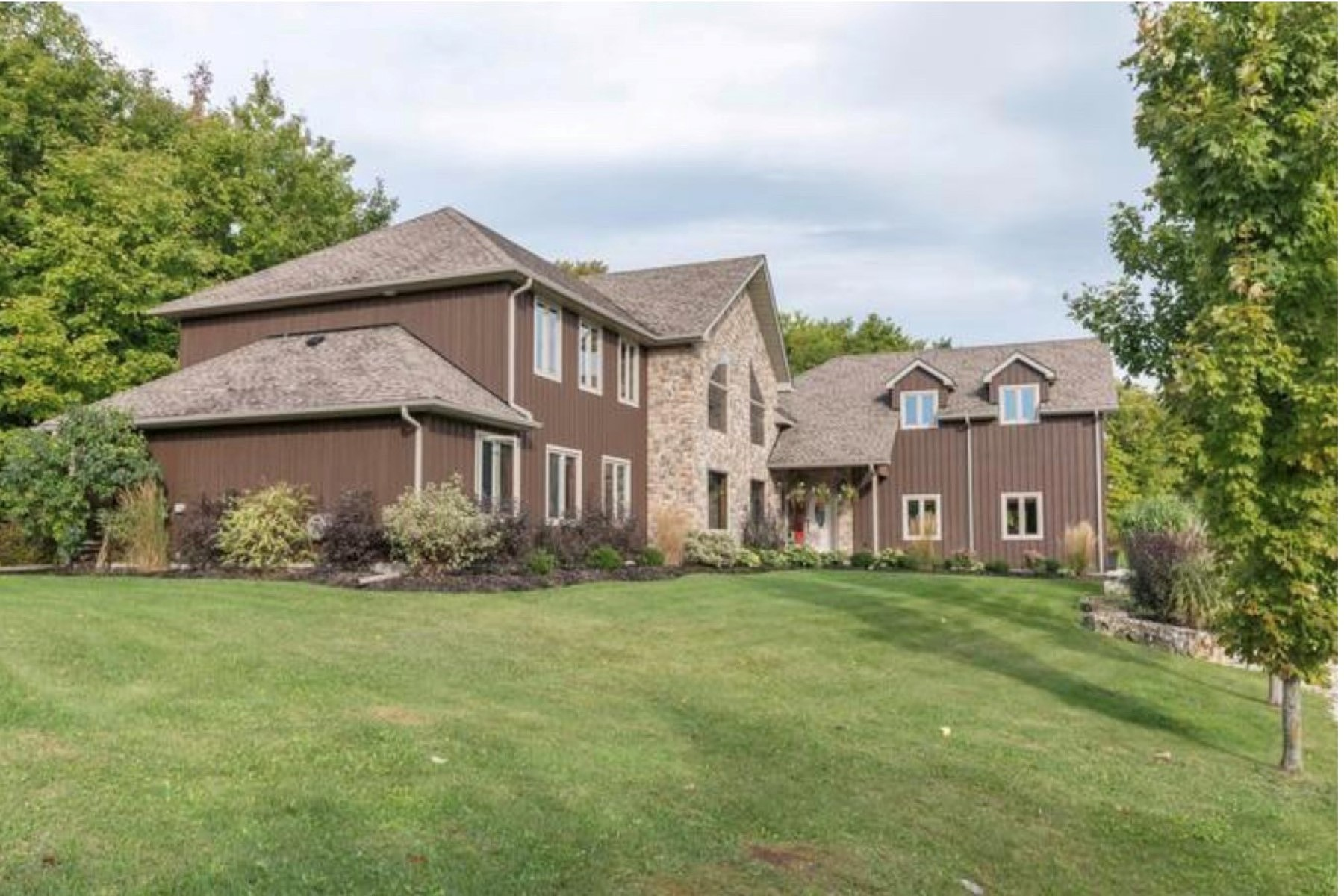 Single Family Homes for Sale at Private Country Home 1416 124 County Rd Clearview, Ontario L0M 1H0 Canada