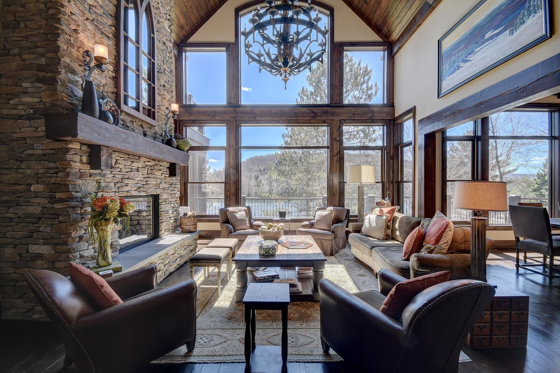 Villa per Vendita alle ore Mont-Tremblant, Laurentides 143 Ch. Séguin Mont-Tremblant, Quebec, J8E1H8 Canada