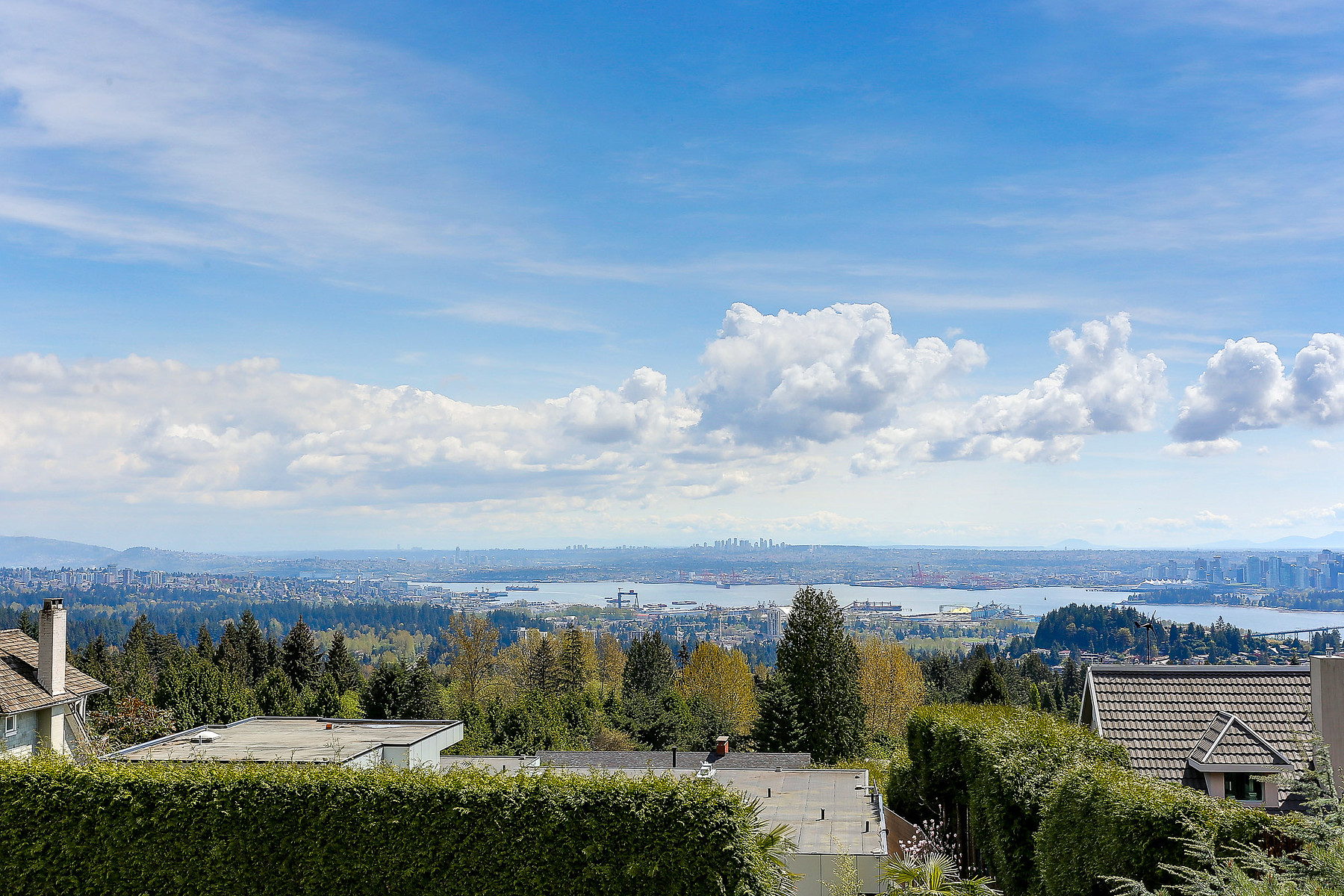 Single Family Home for Sale at West Vancouver, Greater Vancouver 1356 Chartwell Drive West Vancouver, British Columbia, V7S 2R5 Canada