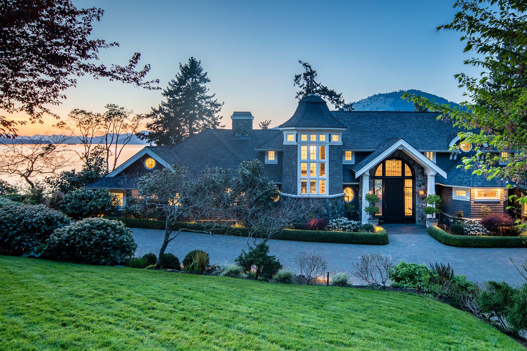 Single Family Homes for Sale at Luxurious Oceanfront Estate 528 & 538 Land's End Road Victoria, British Columbia V8L 5L9 Canada
