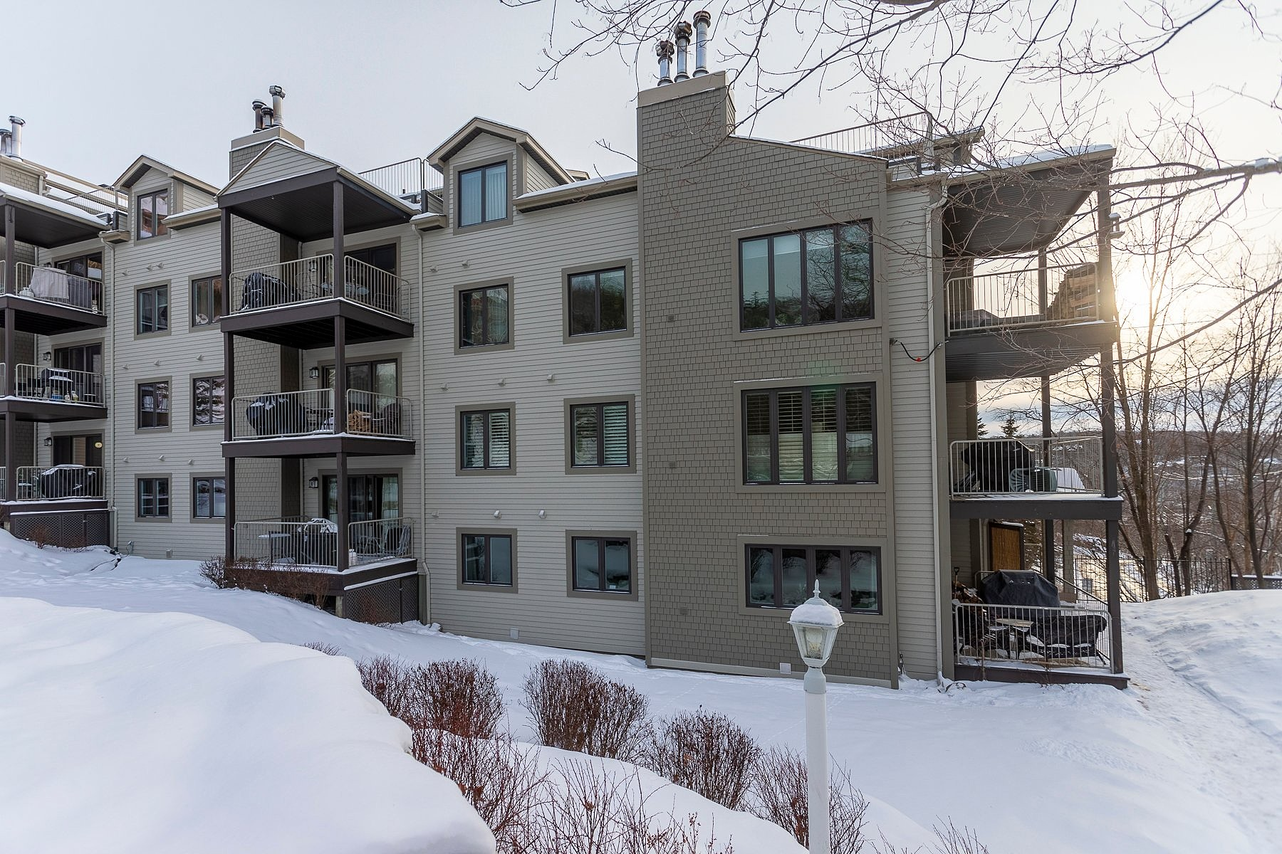 Condominiums for Sale at Mont-Tremblant, Laurentides 176 Ch. au Pied-de-la-Montagne, Apt. 101 Mont-Tremblant, Quebec J8E1Z0 Canada