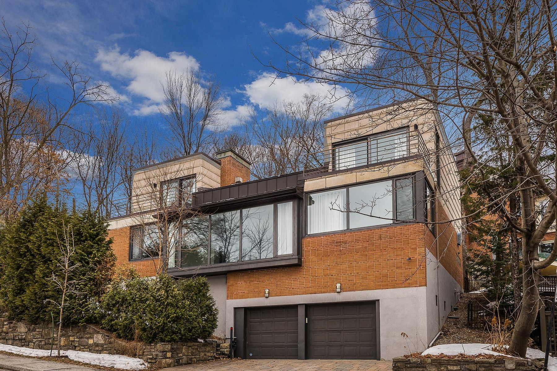 Maison unifamiliale pour l Vente à Ville-Marie, Montréal 3074 Ch. St-Sulpice, Ville-Marie, Québec, H3G1K4 Canada