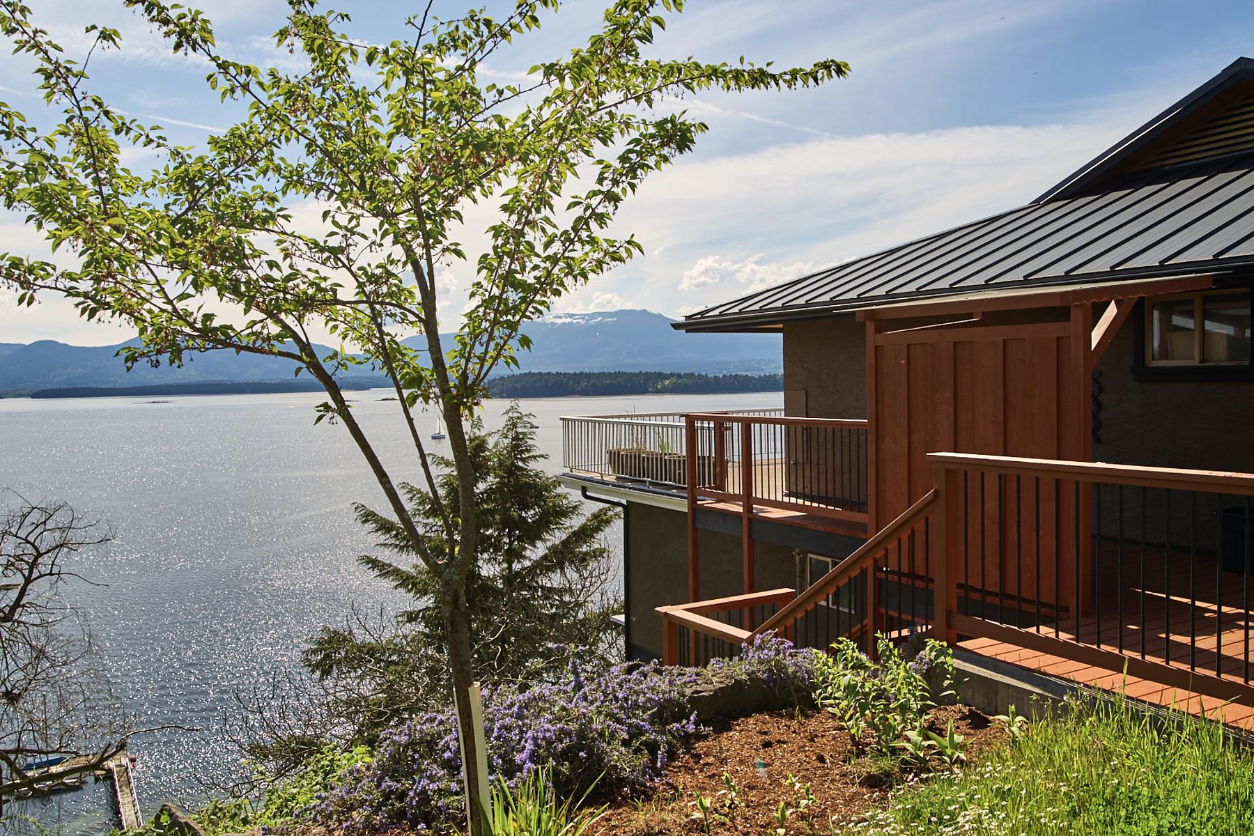 独户住宅 为 销售 在 Stonecutter's Rest 170 Simson Road, 盐泉岛, 不列颠哥伦比亚省, V8K 1E2 加拿大