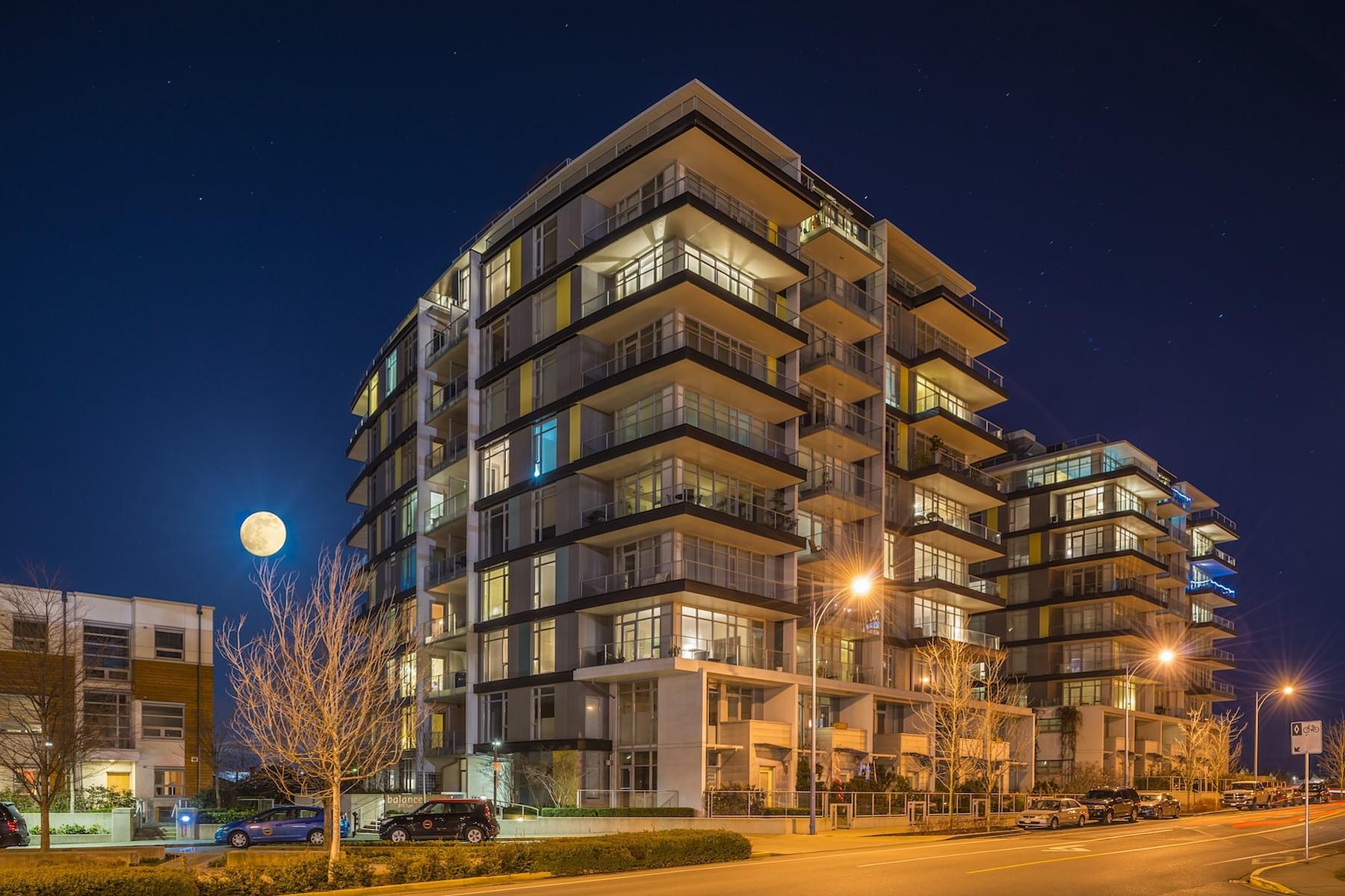 共管式独立产权公寓 为 销售 在 Dockside Green Penthouse B1004-379 Tyee, 维多利亚, 不列颠哥伦比亚省, V9A 0B3 加拿大