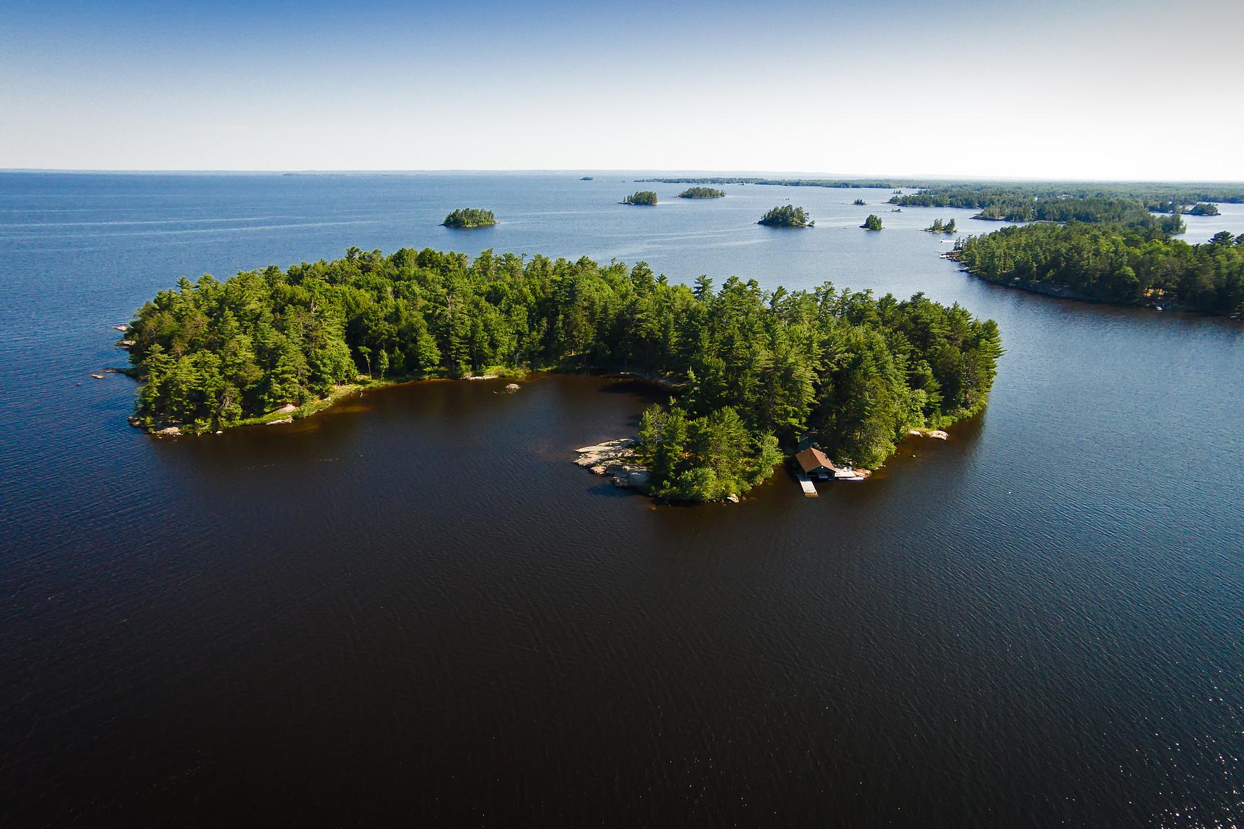 جزيرة خاصة للـ Sale في Richardson Island North Bay, Ontario, P0H1H0 Canada
