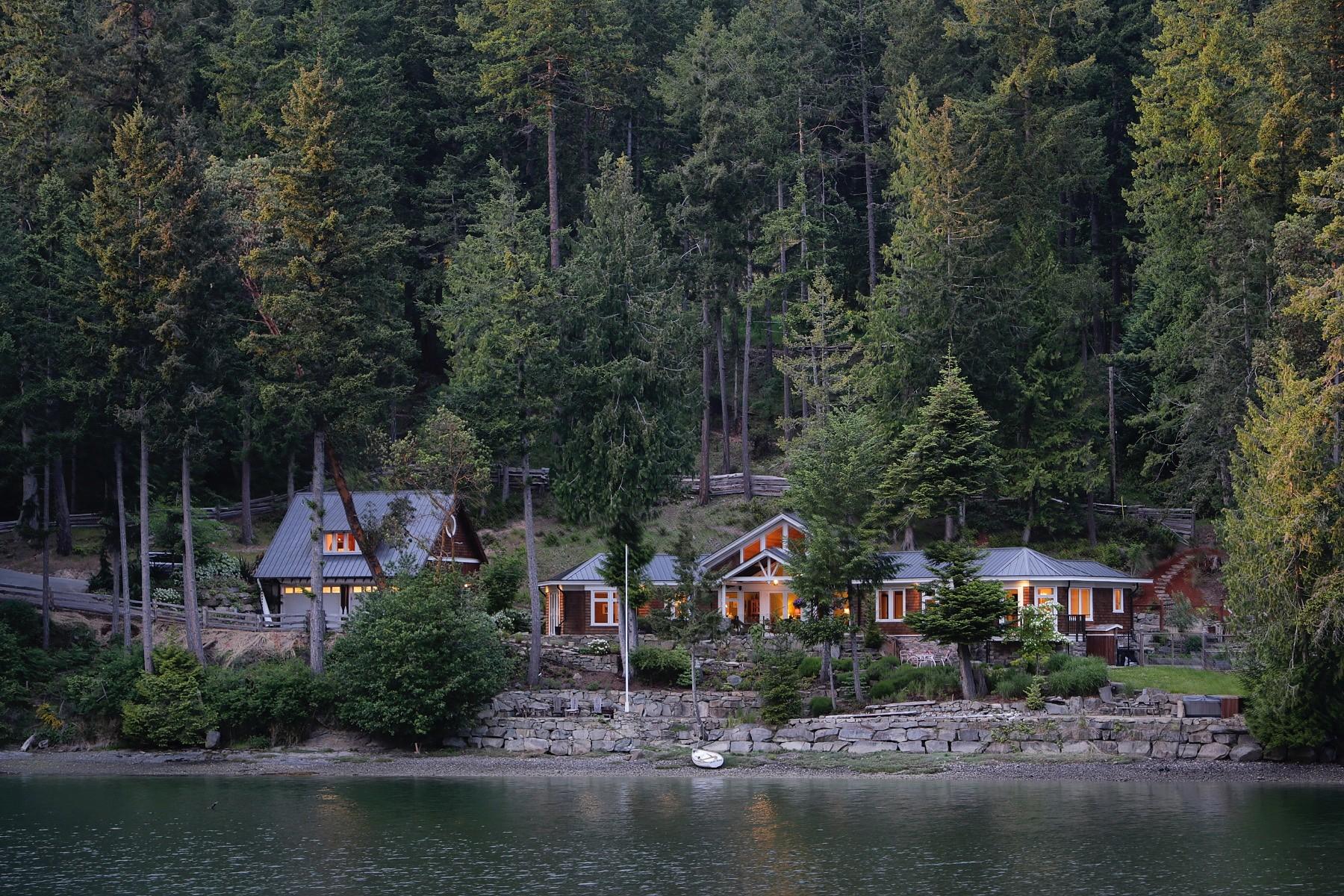 獨棟家庭住宅 為 出售 在 Elegance on the Ocean 711 Mansell Road, Salt Spring Island, 不列顛哥倫比亞省, V8K 1R5 加拿大