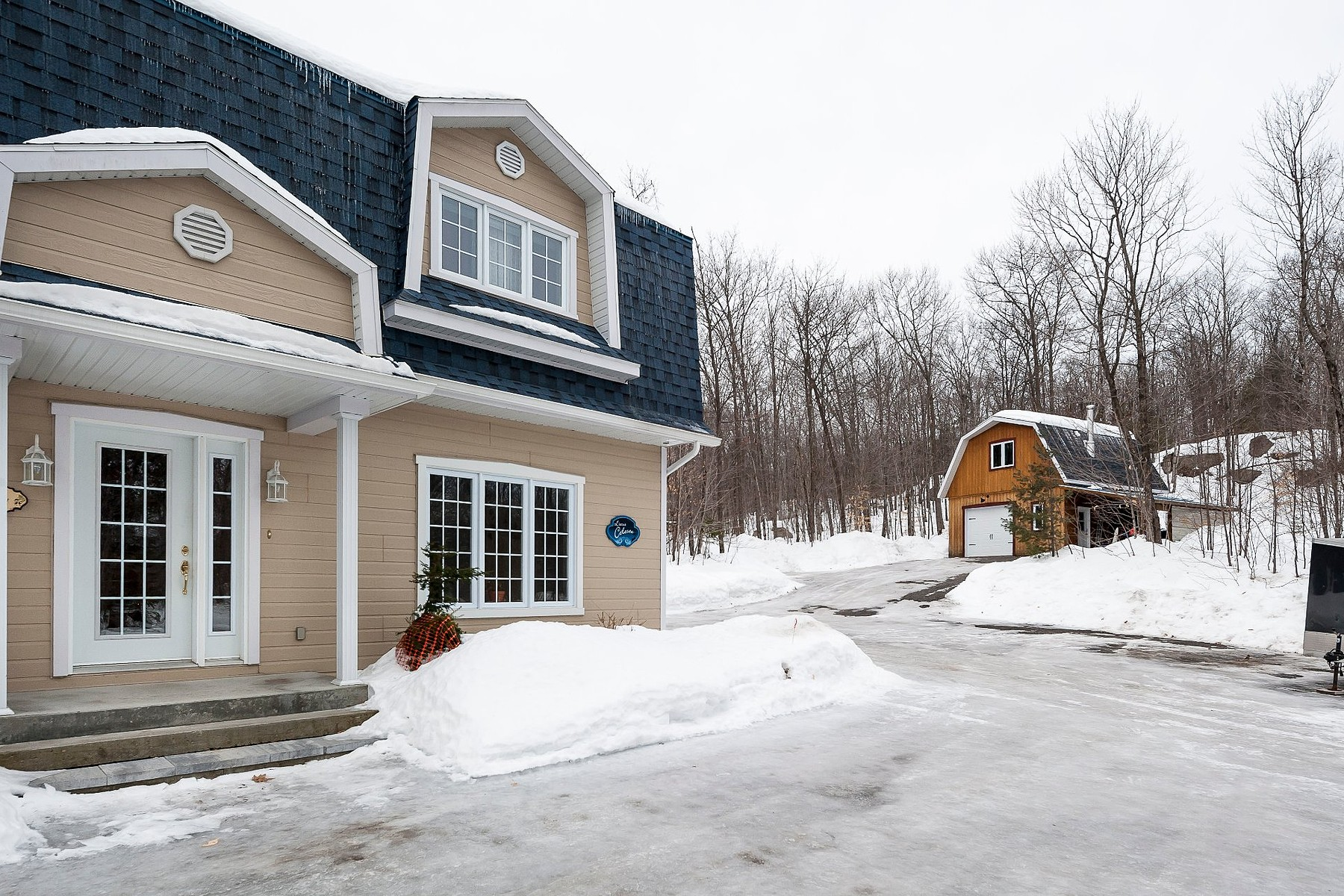 独户住宅 为 销售 在 Rawdon, Lanaudière 2977 Rue Beach, Rawdon, 魁北克省, J0K1S0 加拿大