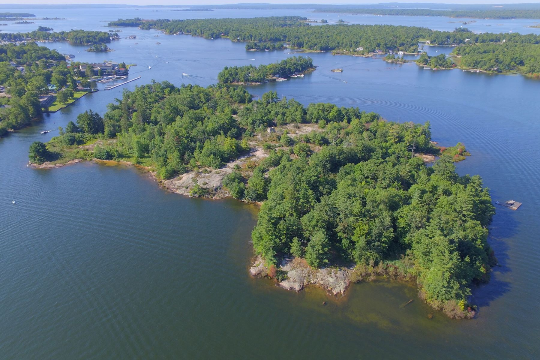 Isola Privata per Vendita alle ore Royal Island Honey Harbour Royal Island 810, Honey Harbour, Ontario, P0E 1E0 Canada