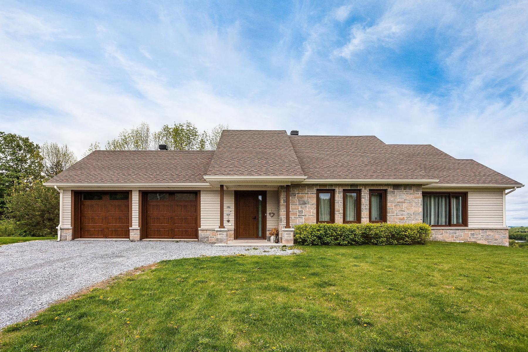Single Family Homes for Sale at Cowansville, Montérégie 186 Rue de Sweetsburg Cowansville, Quebec J2K3X5 Canada