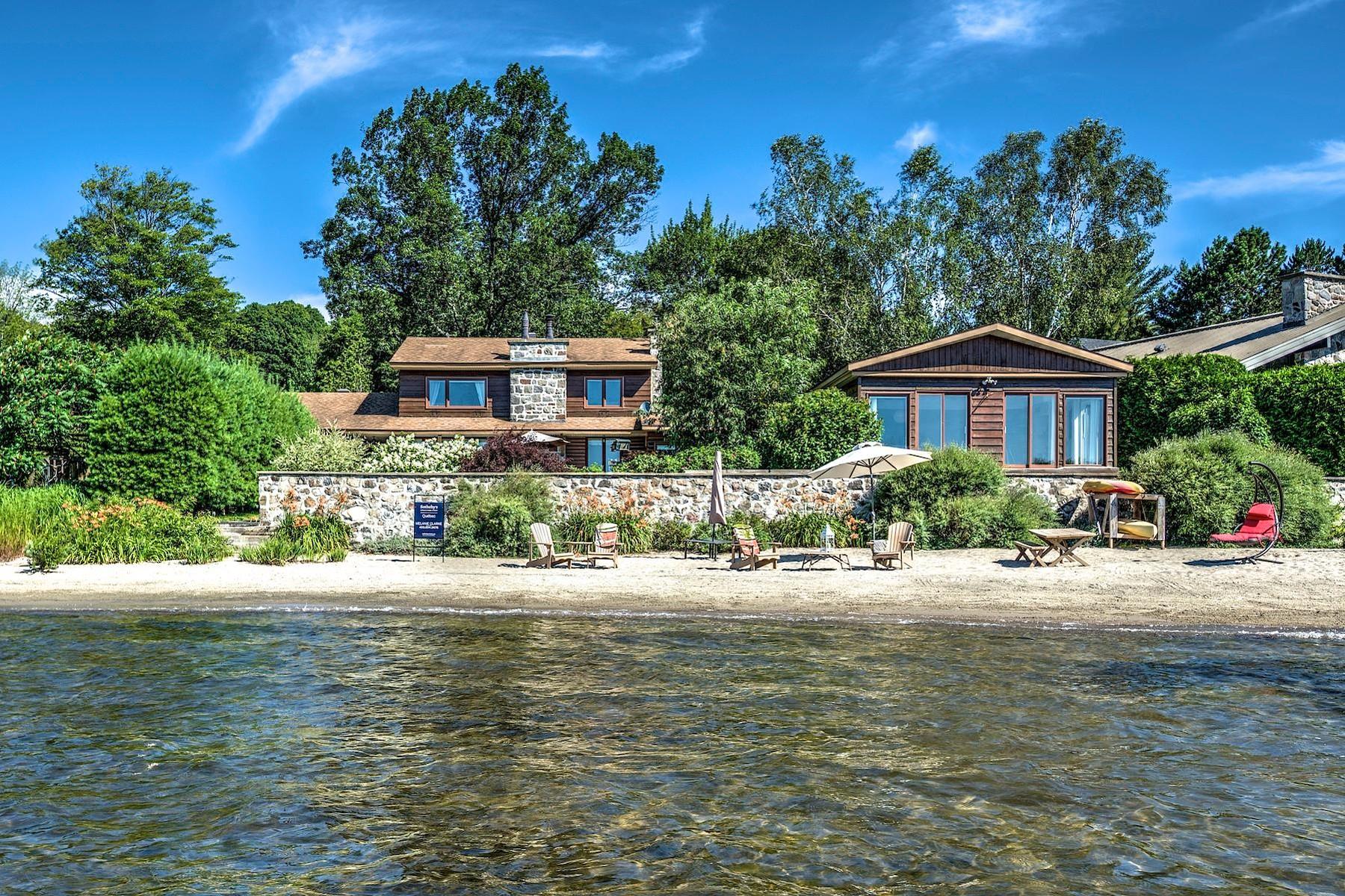 Частный односемейный дом для того Продажа на Lac de l'Achigan 22 368e Avenue, Saint-Hippolyte, Квебек, J8A2Y8 Канада