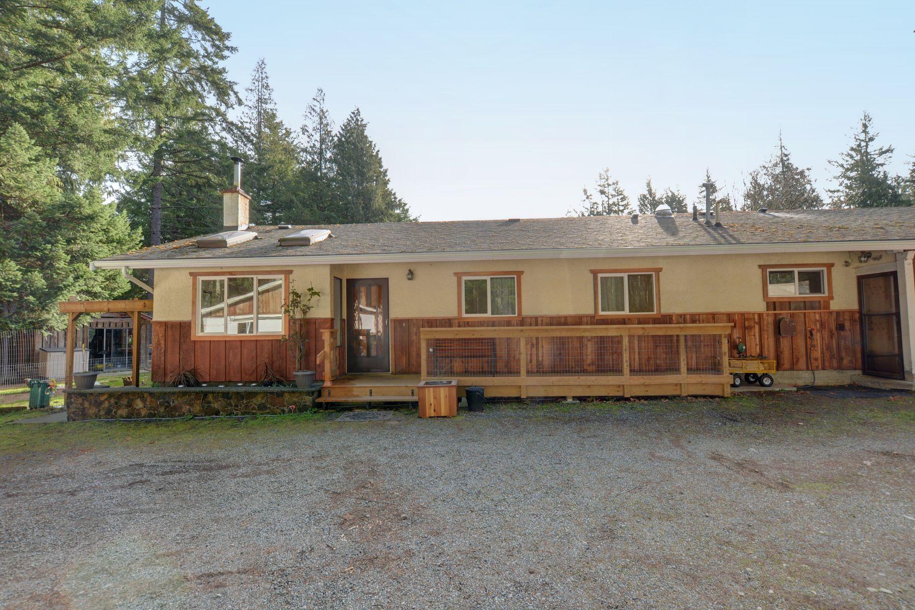واحد منزل الأسرة للـ Sale في Natures Retreat 1284 Neild Road, Metchosin, British Columbia, V9B 5T7 Canada