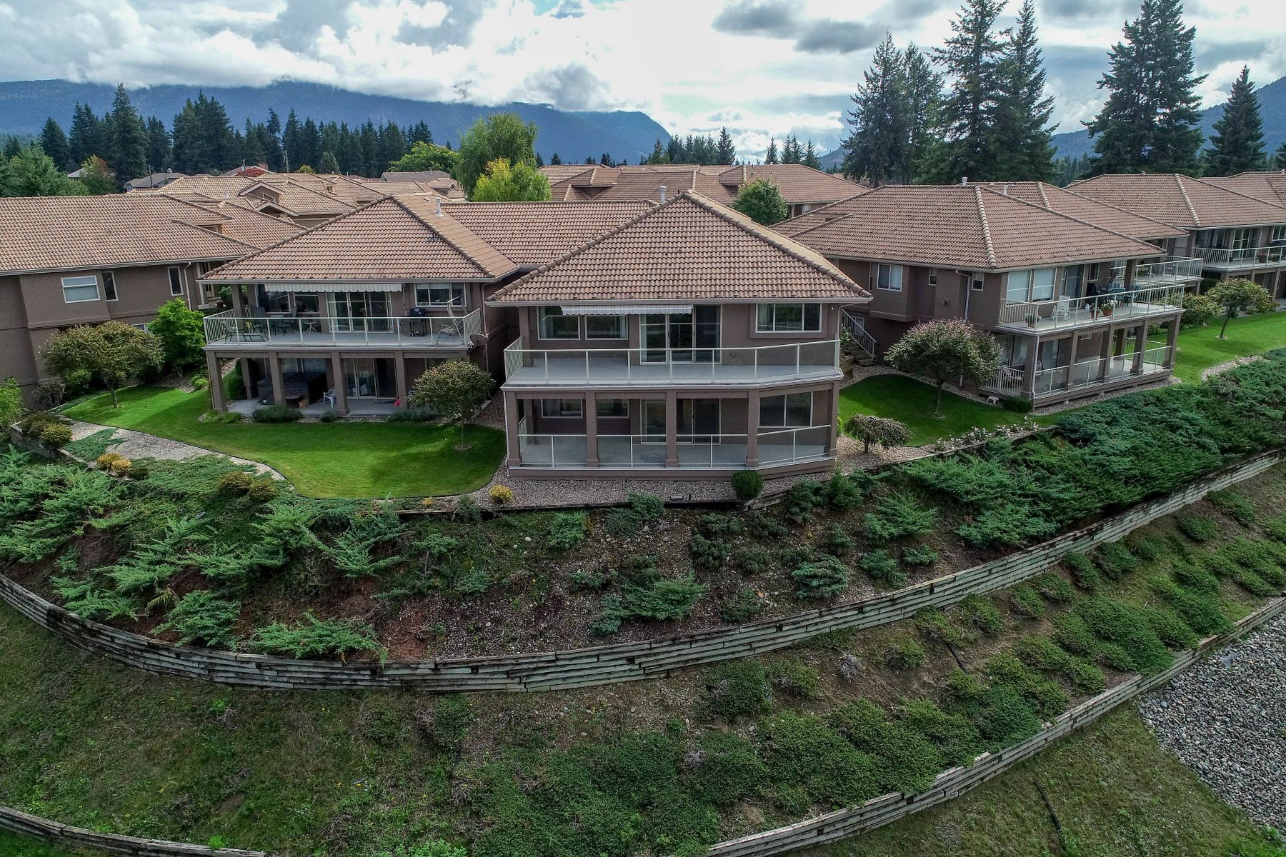 townhouses for Sale at Welcome to the Villas 17 2550 golf Course Dr. Blind Bay, British Columbia V0E 1H2 Canada