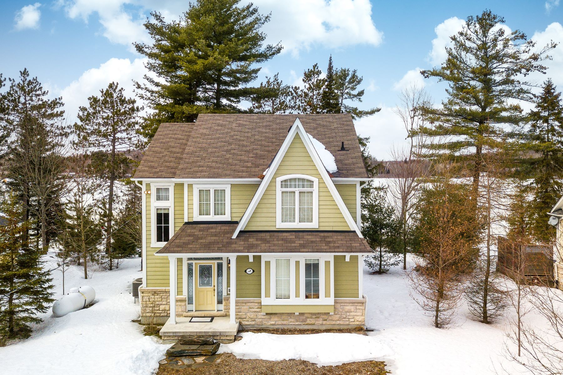 Single Family Homes for Sale at Minden Hills Lakehouse 1214 Hamilton Rd Haliburton, Ontario K0M 2K0 Canada