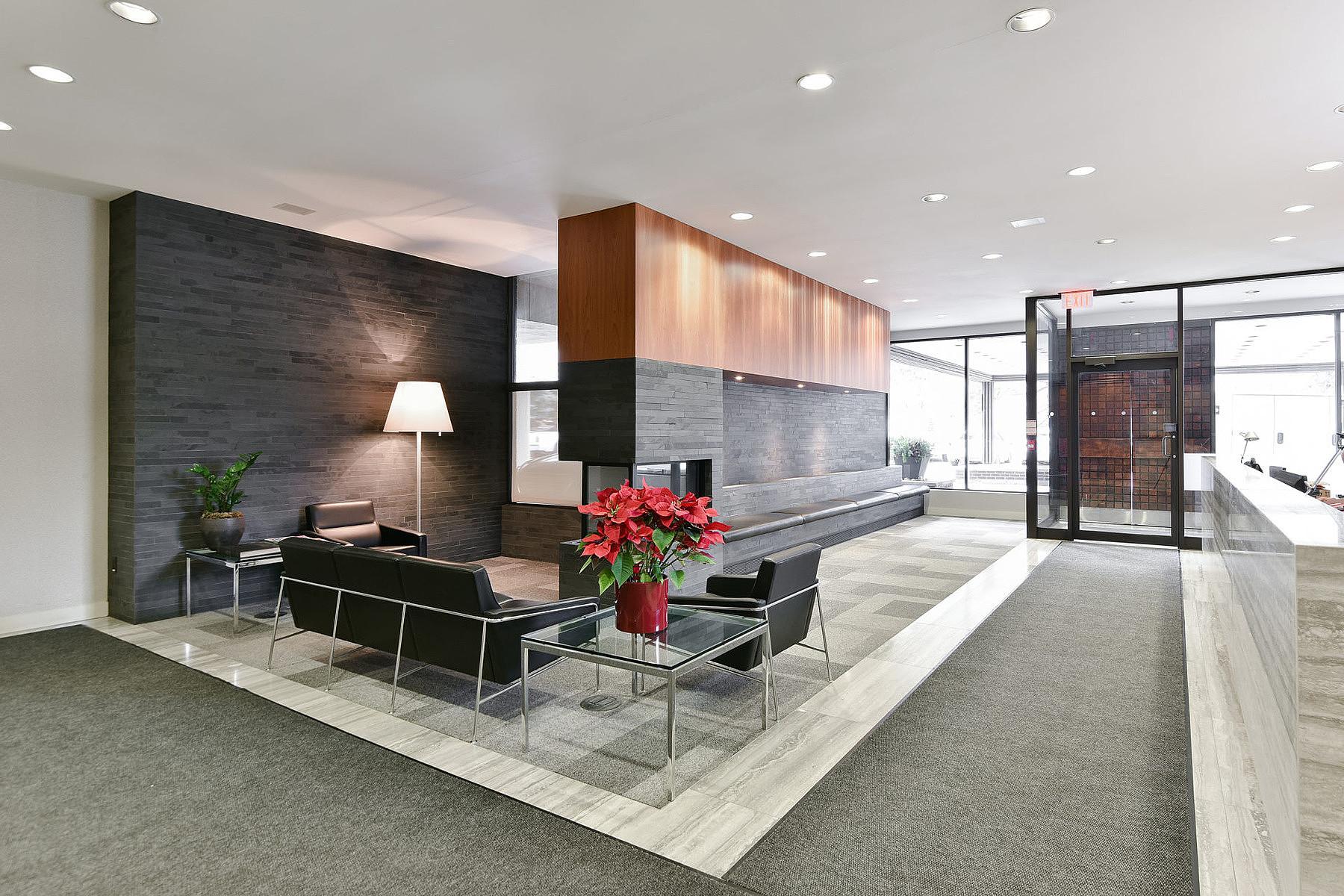 共管式独立产权公寓 为 出租 在 Arbour Glen 120 Rosedale Valley Rd 311, 多伦多, 安大略省, M4W1P8 加拿大