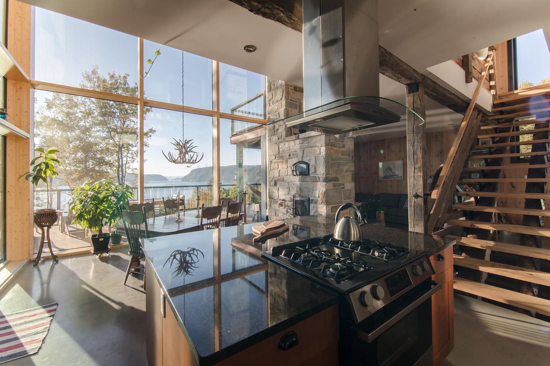 Maison unifamiliale pour l à vendre à Nestled on top of the fjord 523 Ch. Cyrille, Sacre Coeur, Québec, G0T1Y0 Canada