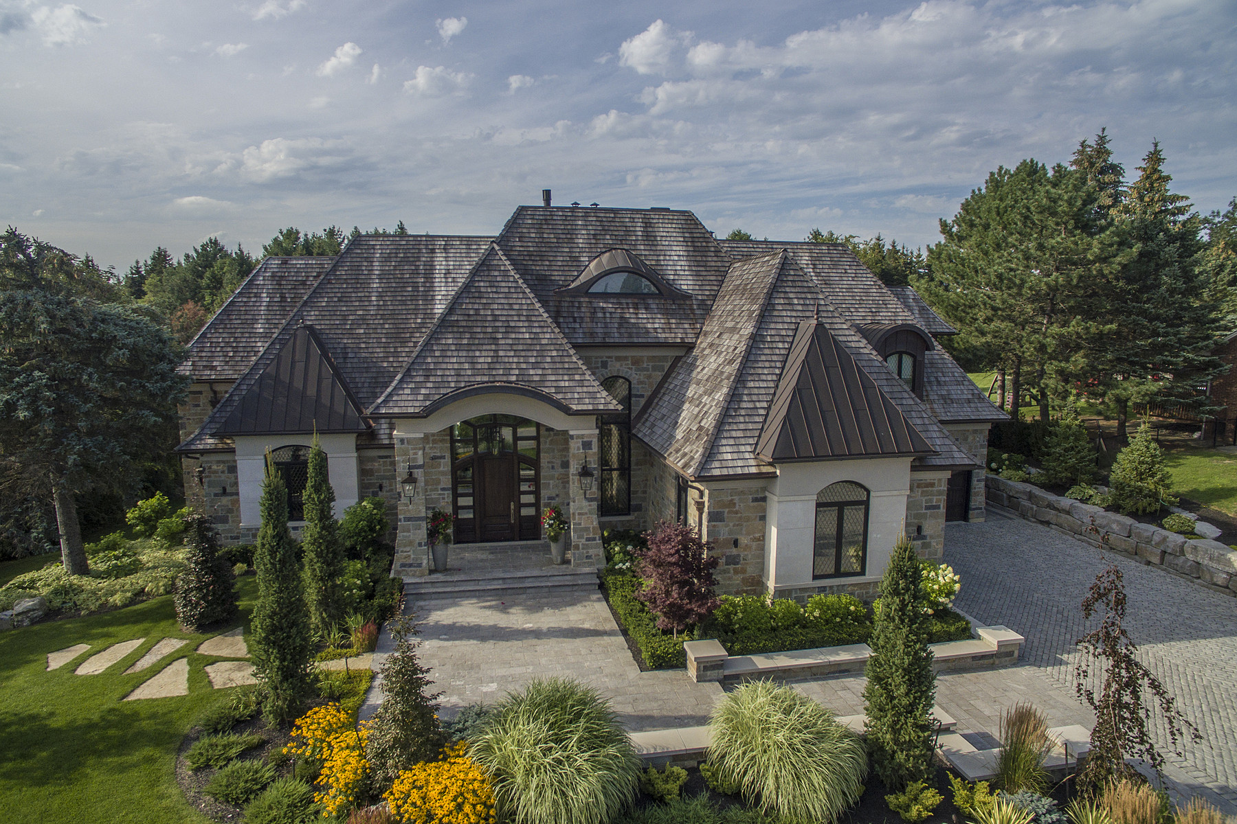 Maison unifamiliale pour l à vendre à Iconic Kleinburg Contemporary 142 Hedgerow Lane, Vaughan, Ontario, L0J1C0 Canada
