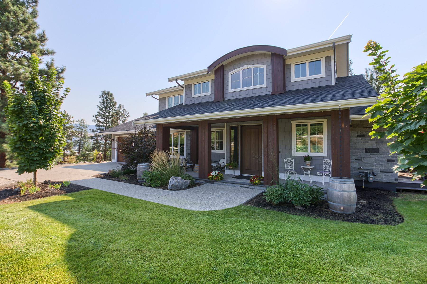 Single Family Home for Sale at City Elegance Country Charm 2755 Longhill Road Kelowna, British Columbia, V1V2G5 Canada