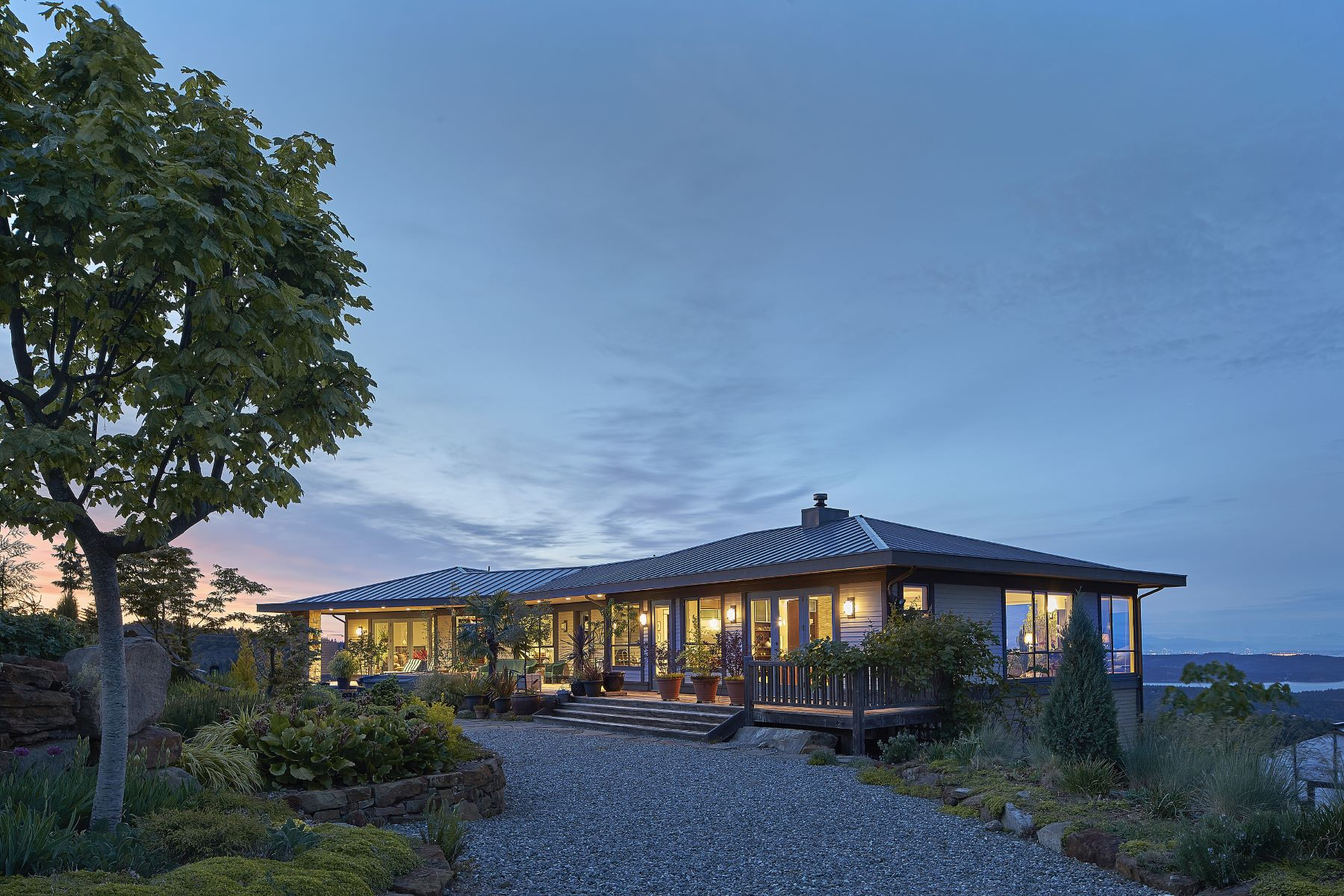 Casa Unifamiliar por un Venta en 160 Acre Oceanview Estate Tara Hall Farm, Salt Spring Island, British Columbia, V8K2H2 Canadá