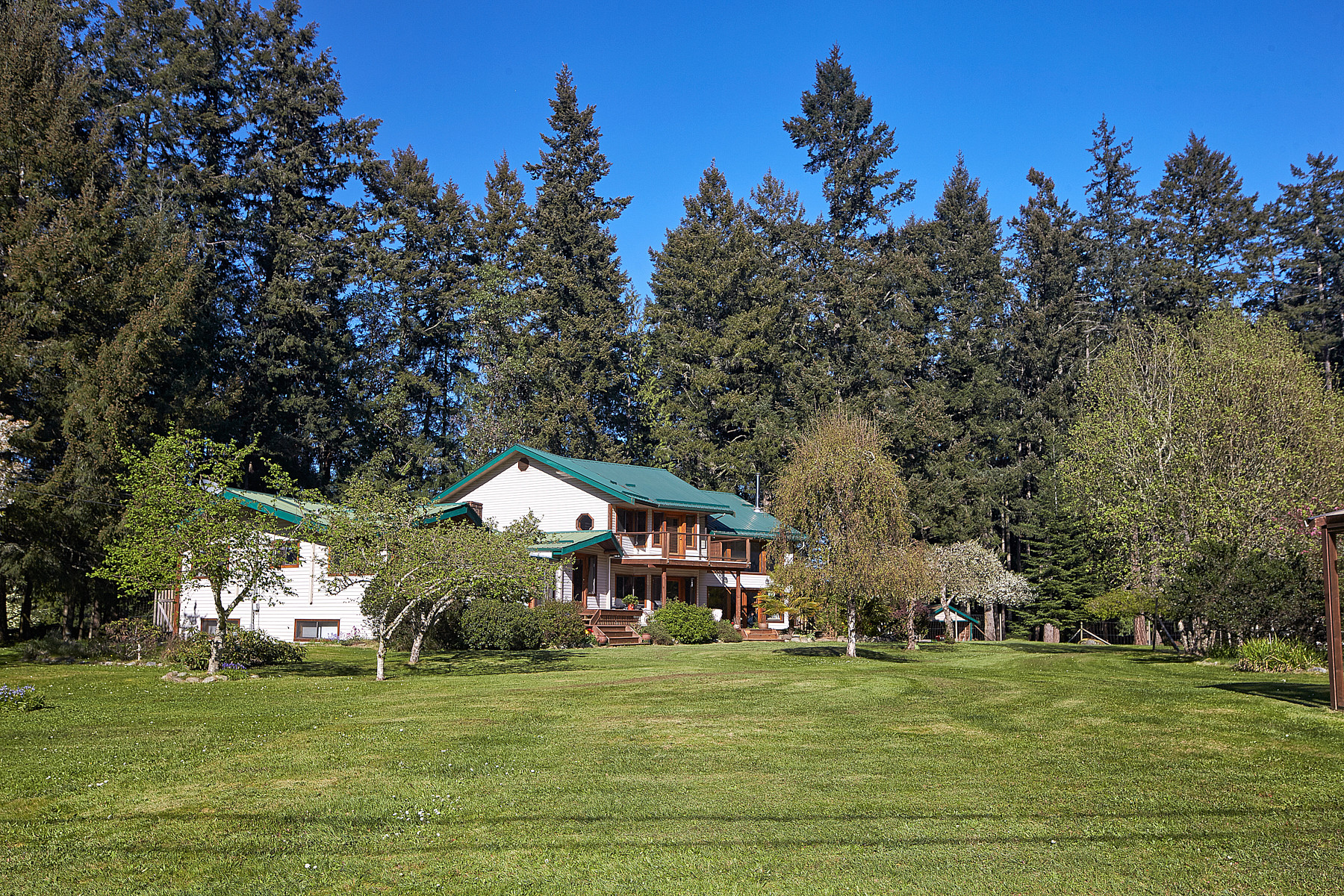 Casa Unifamiliar por un Venta en 10 Acre Equine Estate 700 Upper Ganges Road, Salt Spring Island, British Columbia, V8K 1S1 Canadá