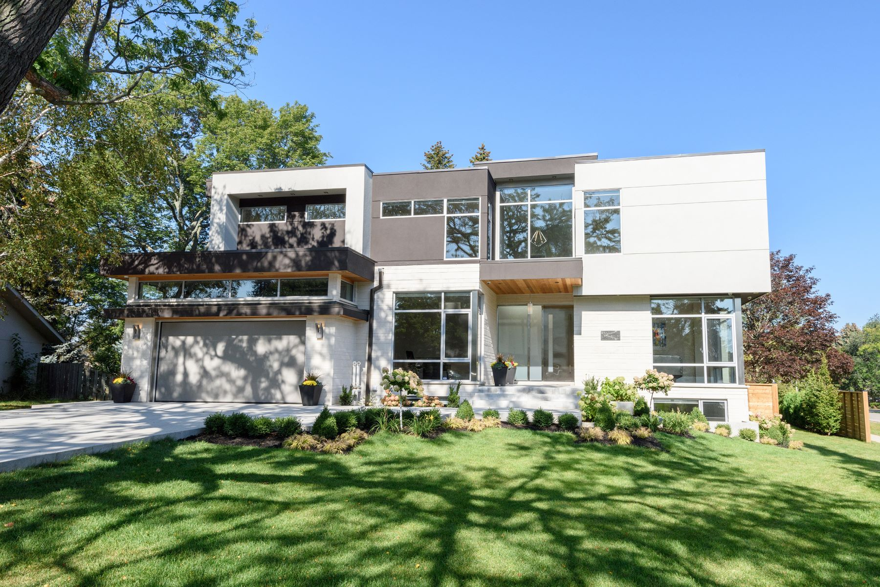 Single Family Home for Sale at Modern House in SW Oakville 1355 Willowdown Road, Oakville, Ontario, L6L 1R8 Canada