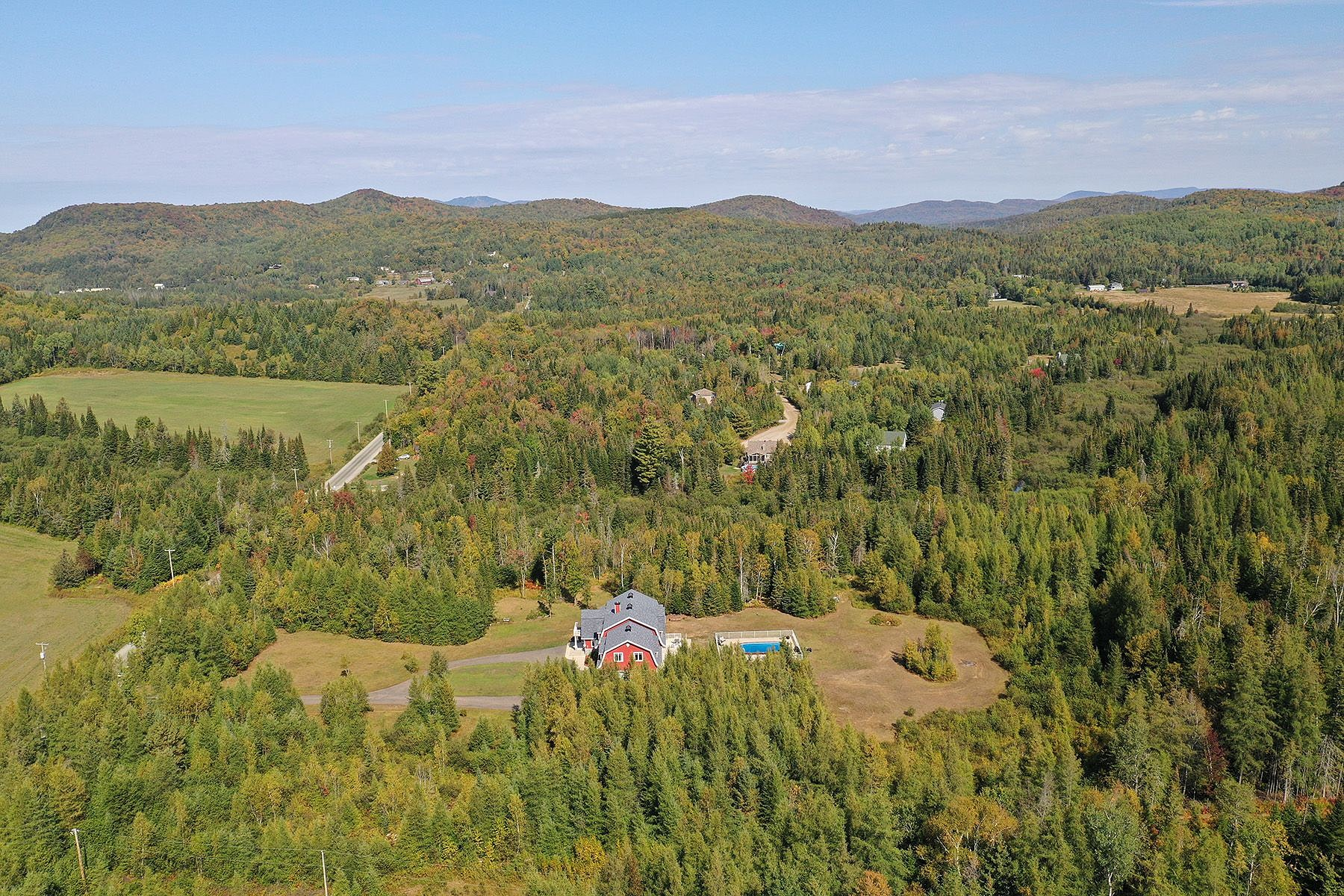 Single Family Homes for Sale at Mont-Tremblant, Laurentides 205 Mtée Tassé Mont-Tremblant, Quebec J8E2C6 Canada