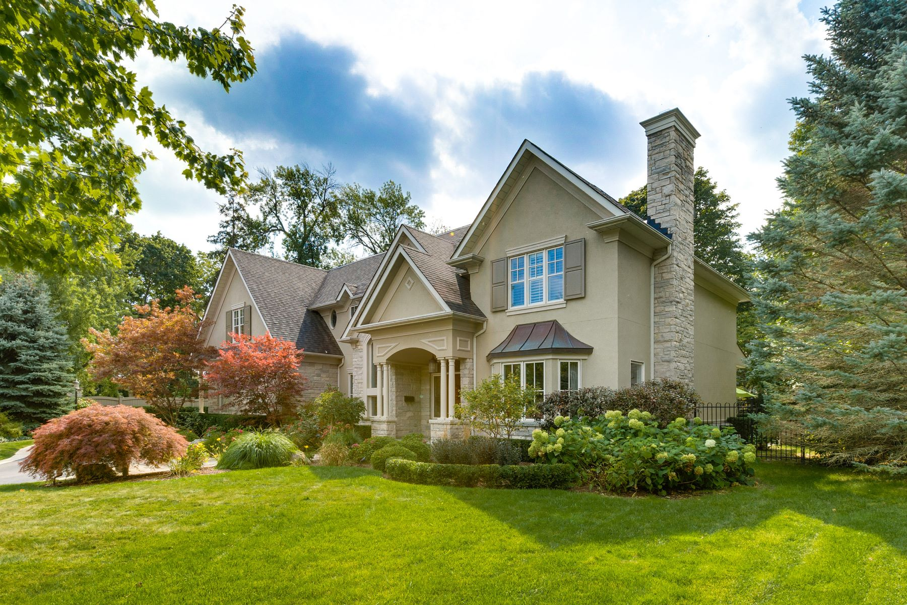 Single Family Home for Sale at Luxury Home on Private Court 108 Parkwood Court, Oakville, Ontario, L6J7W6 Canada