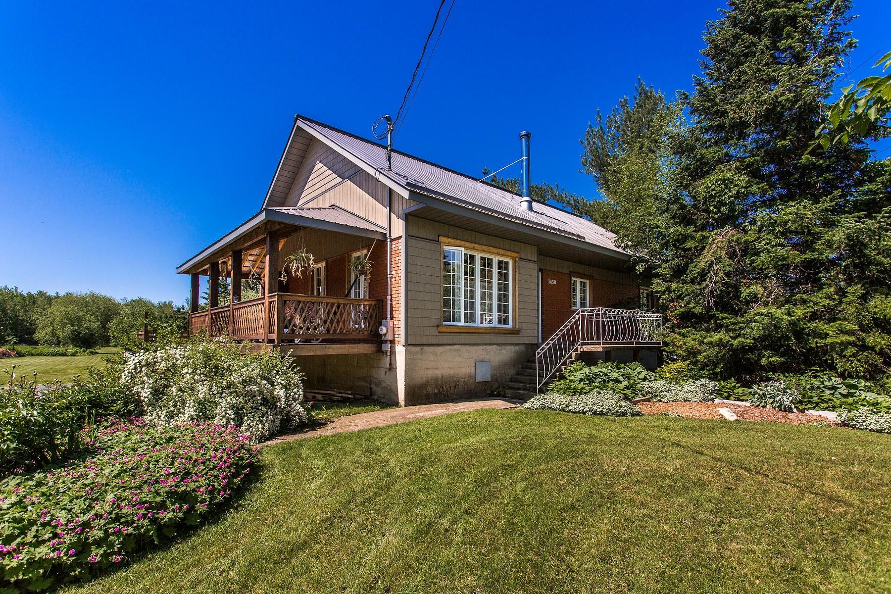 Maison unifamiliale pour l Vente à Rivière-Beaudette, Montérégie 1430 Ch. Ste-Claire Riviere-Beaudette, Québec, J0P1R0 Canada
