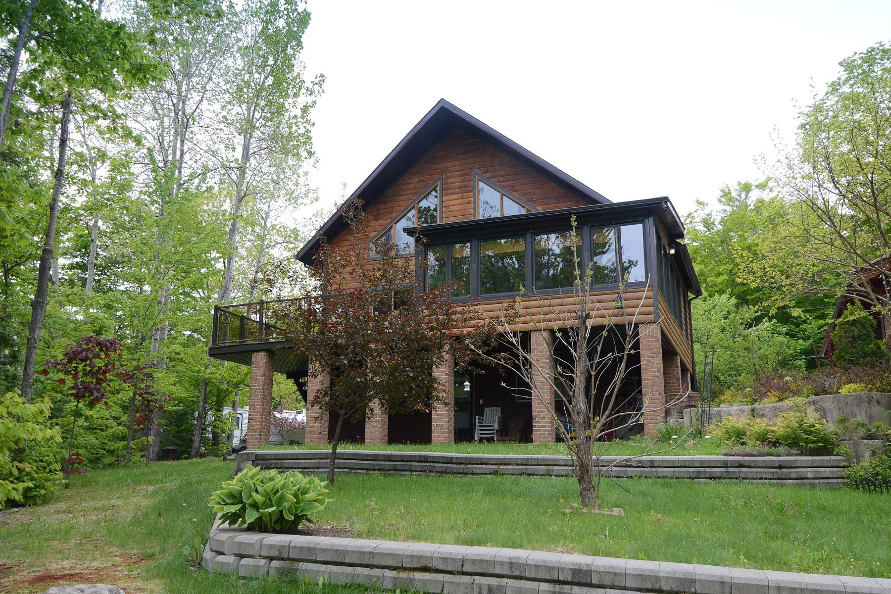 Single Family Home for Sale at Saint-Calixte, Lanaudière 255 Rue des Papillons, Saint-Calixte, Quebec, J0K1Z0 Canada