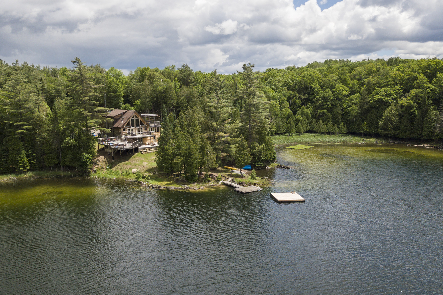 기타 주거 용 매매 에 Enchanting McGibbon Lake 292 Mcgibbon Lake Rd, Bancroft, 온타리오주, K0L 2L0 캐나다