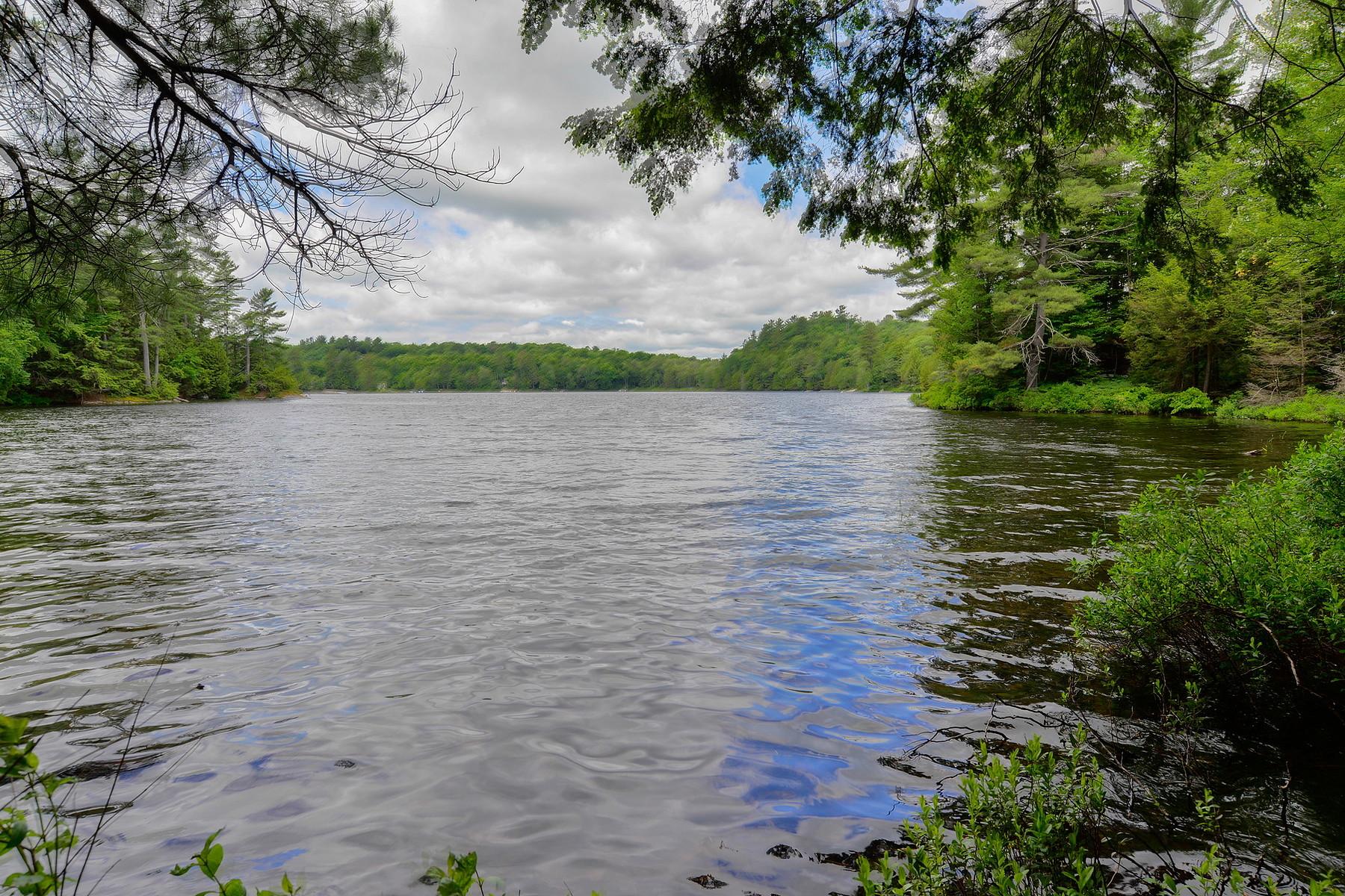 Земля для того Продажа на Waterfront Lot-330' shoreline Lot 6 Lake Ridge Rd, Muskoka, Онтарио, P2A 2W8 Канада