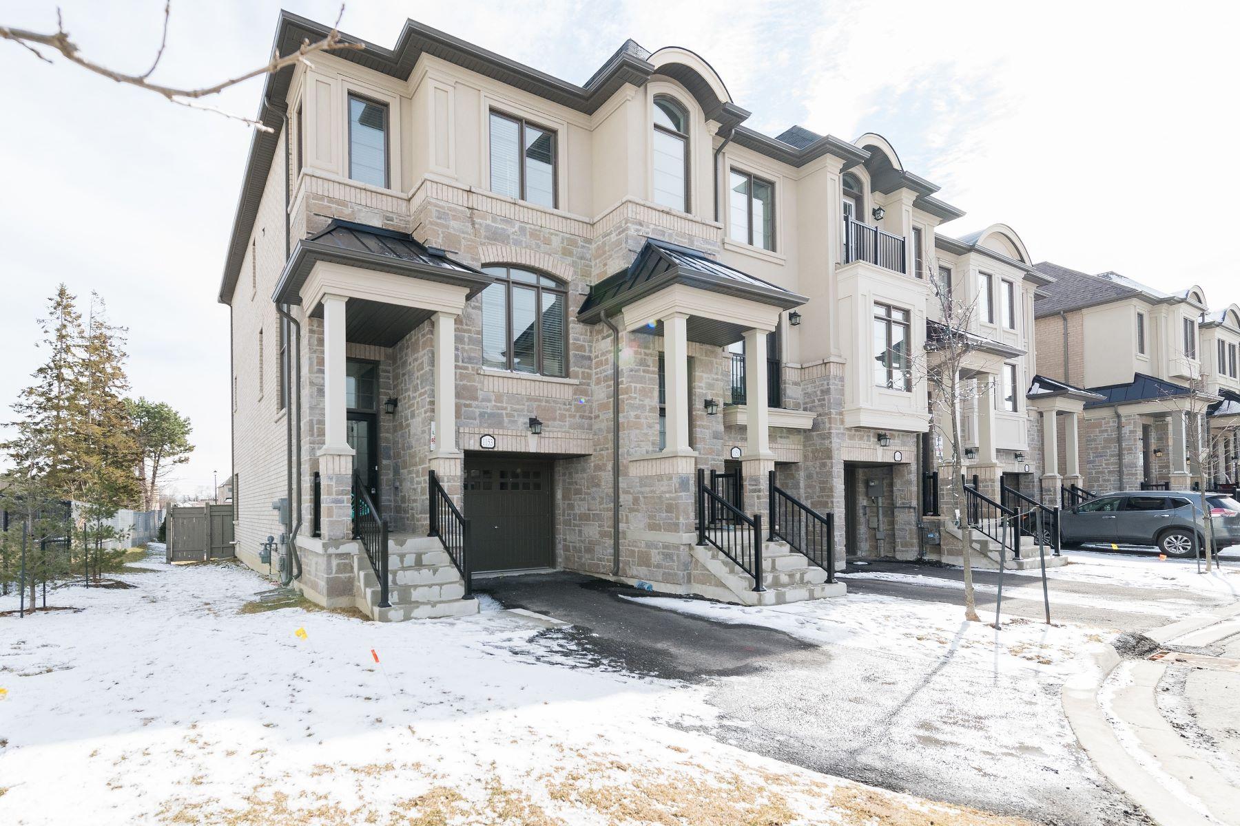Maison en rangée pour l Vente à Live Near the Lake 1153 Beachcomber Road, Mississauga, Ontario, L5G 0B4 Canada