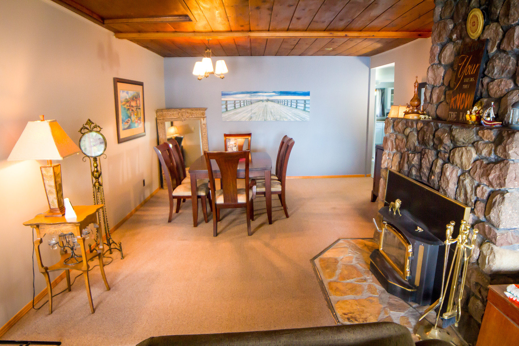 Additional photo for property listing at Portage Lodge 420 BIG STONE BAY RD Kenora, Ontario P9N W3D Canada