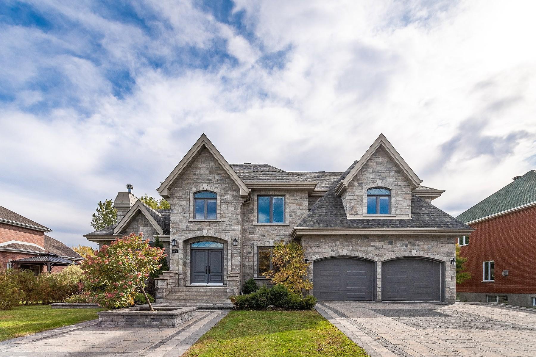 Single Family Homes for Sale at Notre-Dame-de-l'Île-Perrot, Montérégie 47 Rue Alfred-DesRochers Notre-Dame-De-L'ile-Perrot, Quebec J7V8P6 Canada