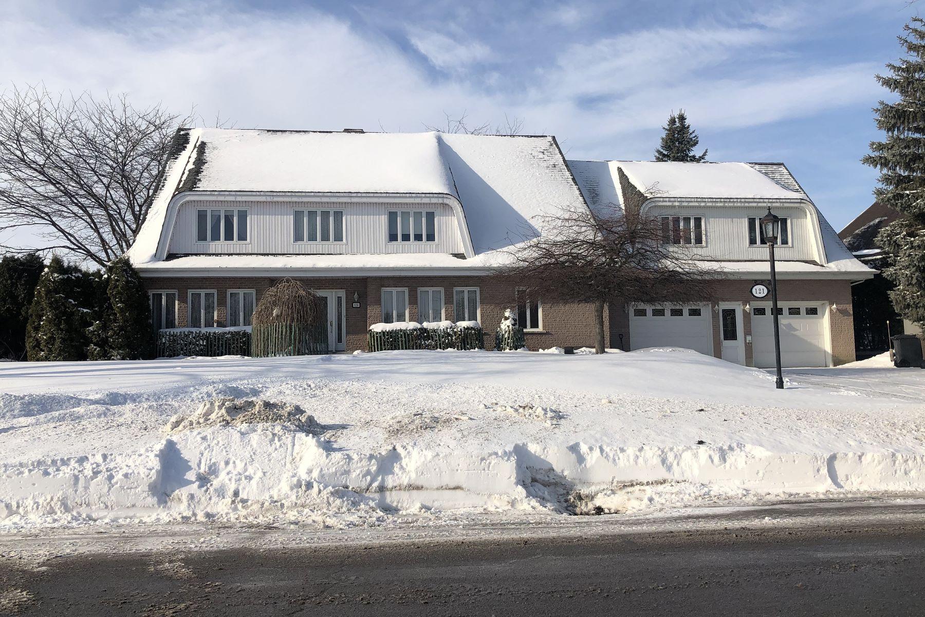 Single Family Homes for Sale at Léry, Montérégie 121 Rue Asselin Lery, Quebec J6N3N6 Canada