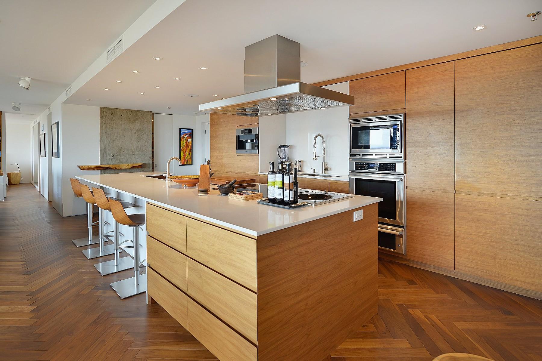 Condominiums for Sale at La Cité, Capitale-Nationale 600 Av. Wilfrid-Laurier, Apt. 701 Quebec, Quebec G1R2L5 Canada